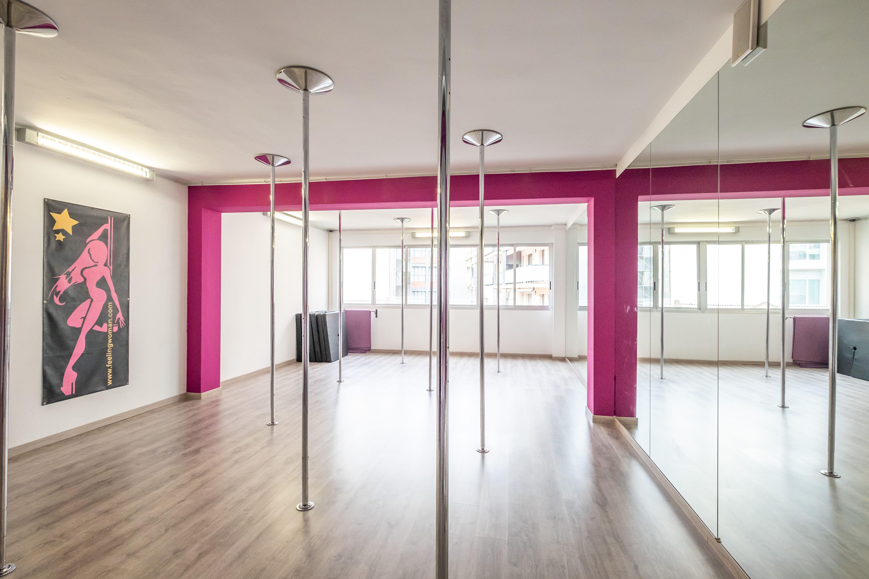 Clases de Strip Dance para grupos en Poblanou Barcelona
