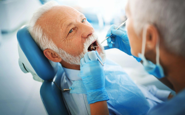Periodoncia: Tratamientos dentales de Clínica Dental Atocha