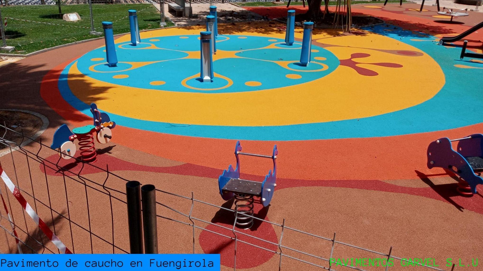 Foto 5 de Instalación de pavimentos de caucho para parques infantiles en Las Cabezas de San Juan | Pavimentos Garvel