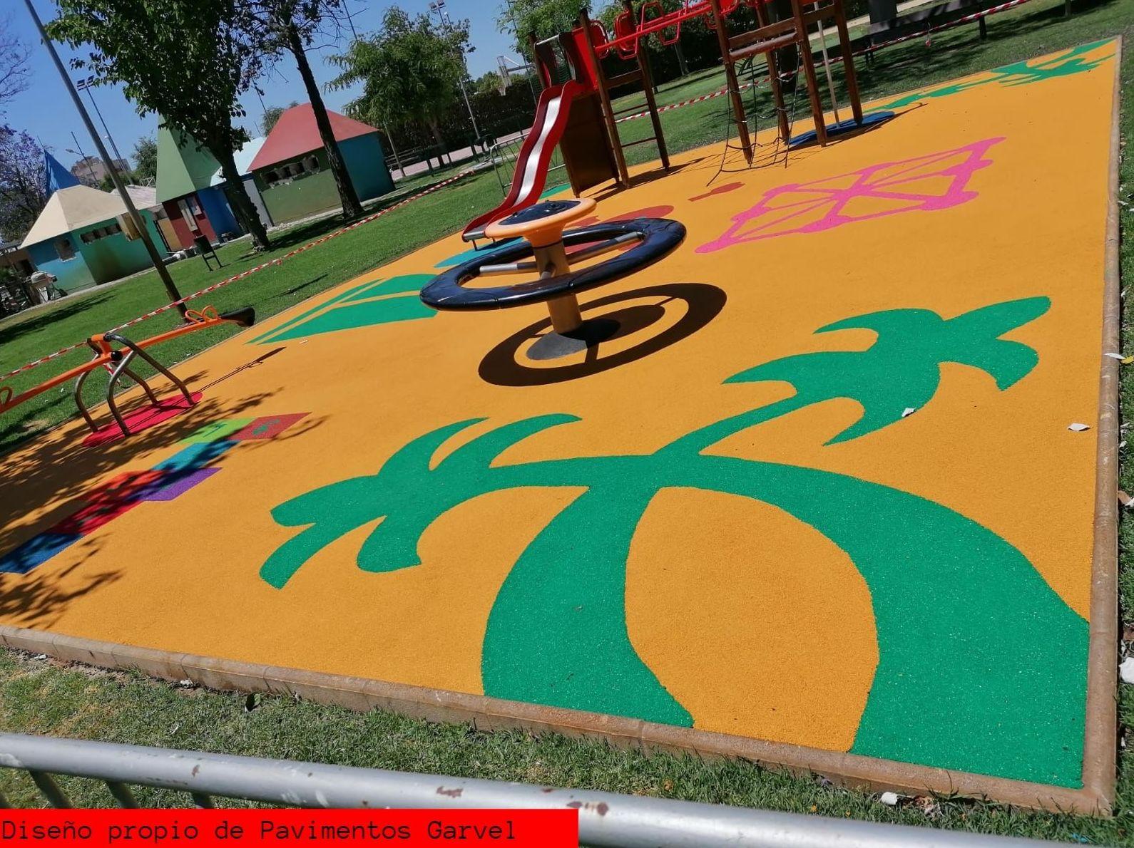 Foto 10 de Instalación de pavimentos de caucho para parques infantiles en Las Cabezas de San Juan   Pavimentos Garvel