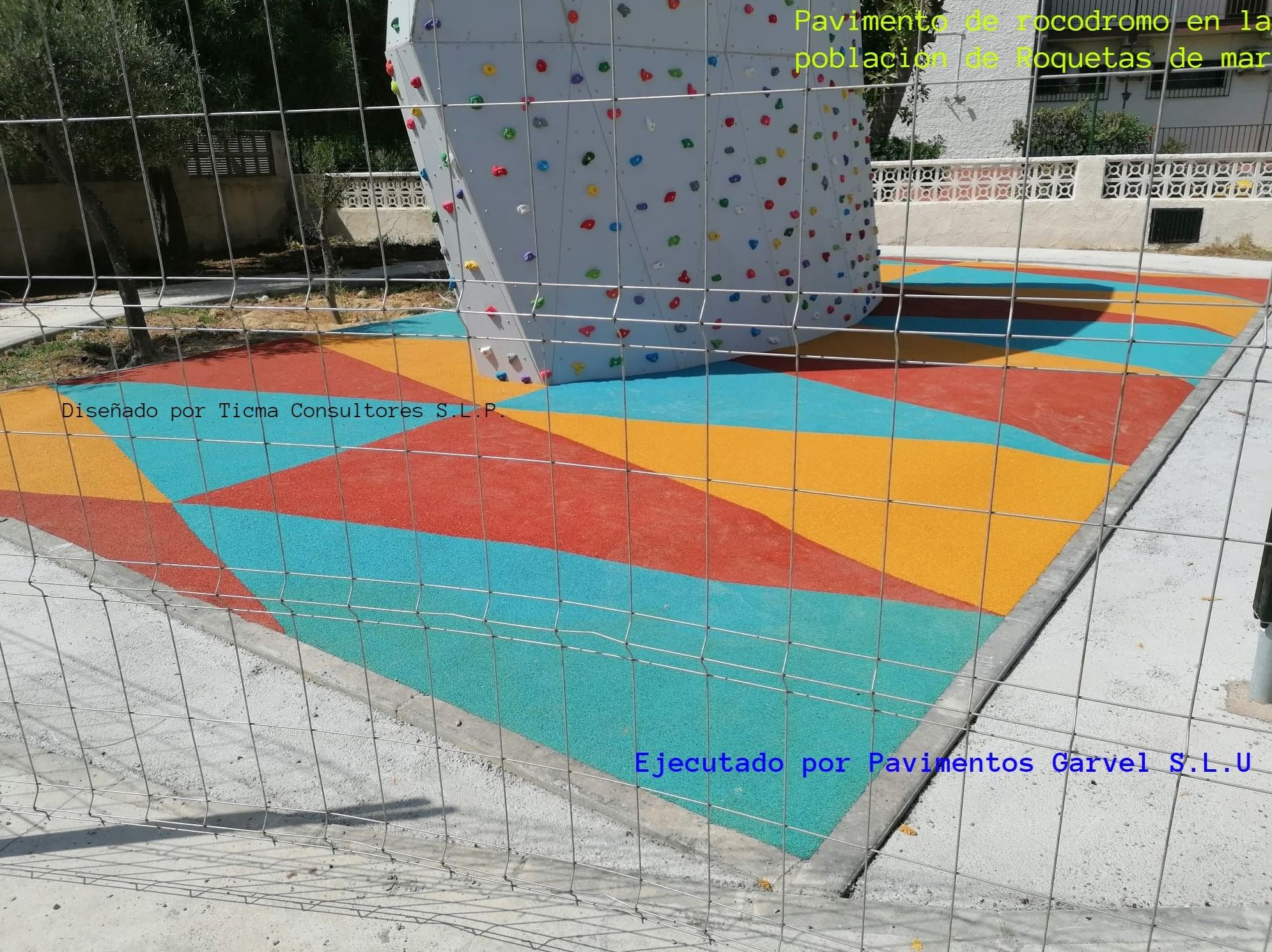 Foto 8 de Instalación de pavimentos de caucho para parques infantiles en Las Cabezas de San Juan   Pavimentos Garvel