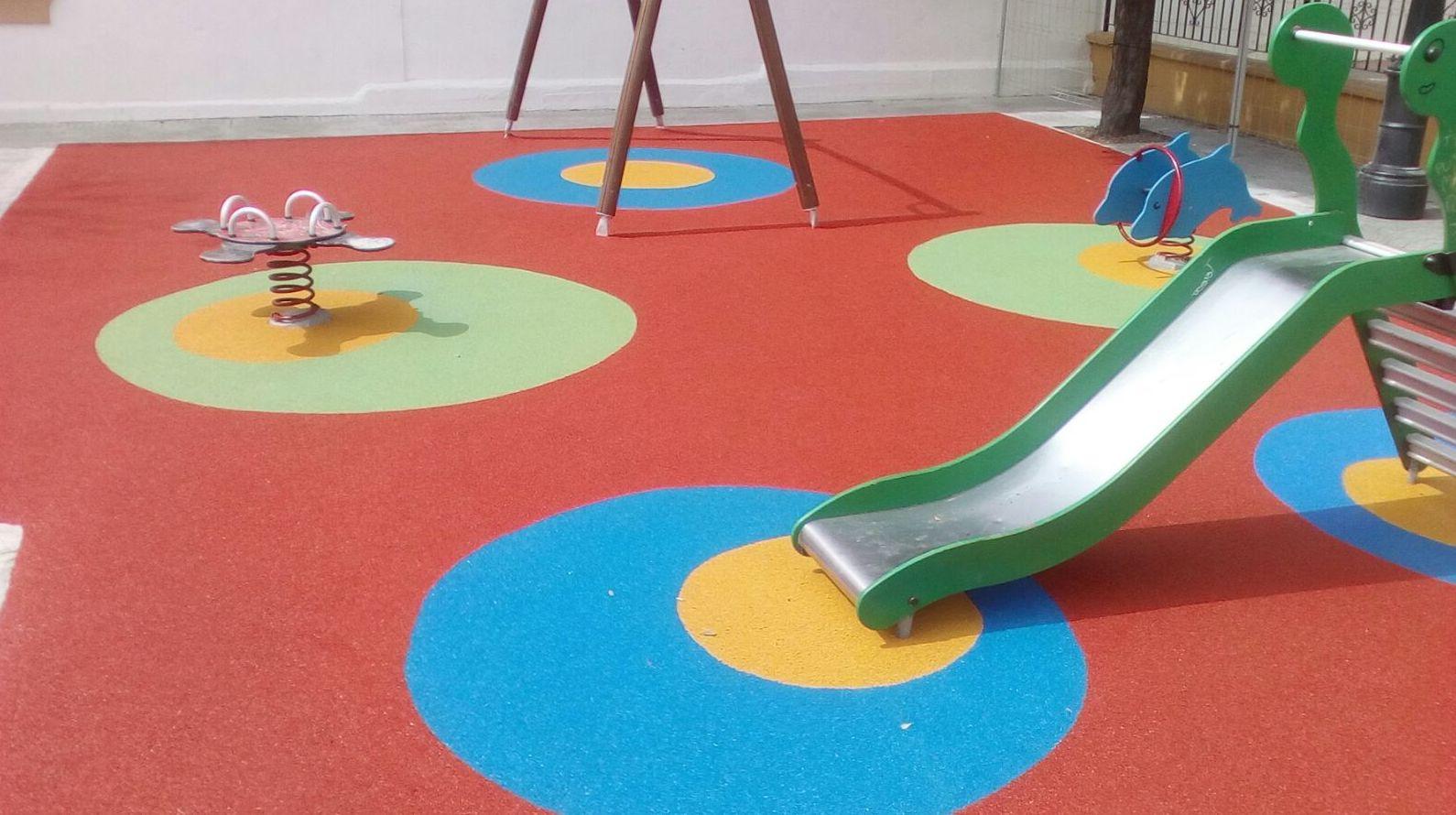 Foto 62 de Instalación de pavimentos de caucho para parques infantiles en Las Cabezas de San Juan | Pavimentos Garvel