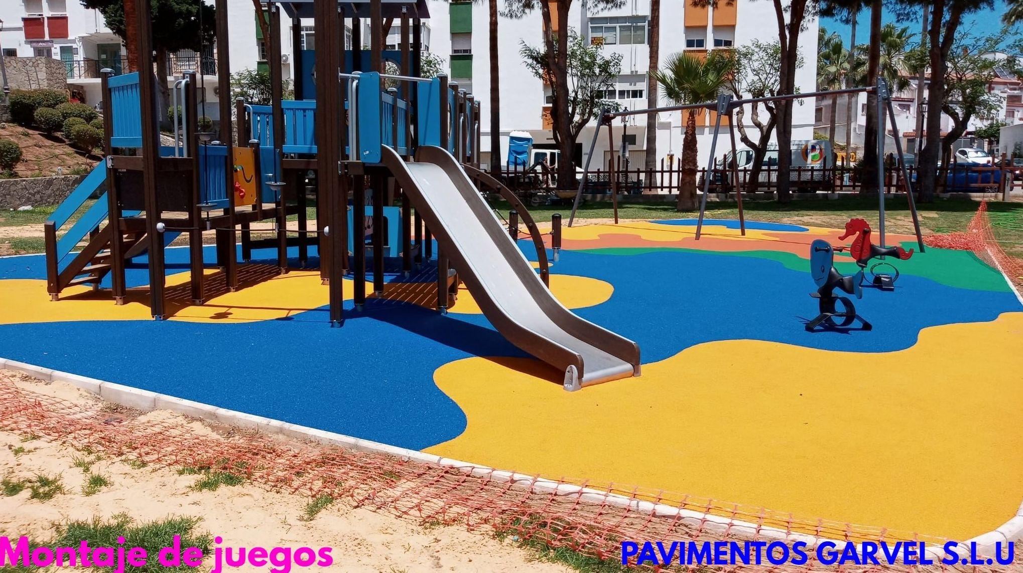 Foto 6 de Instalación de pavimentos de caucho para parques infantiles en Las Cabezas de San Juan   Pavimentos Garvel