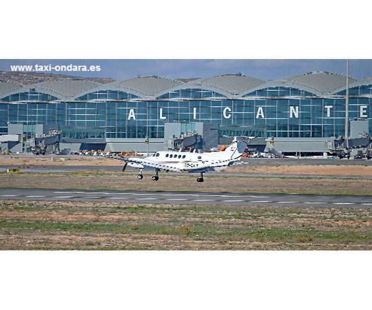 Servicio de taxi al aeropuerto en Ondara