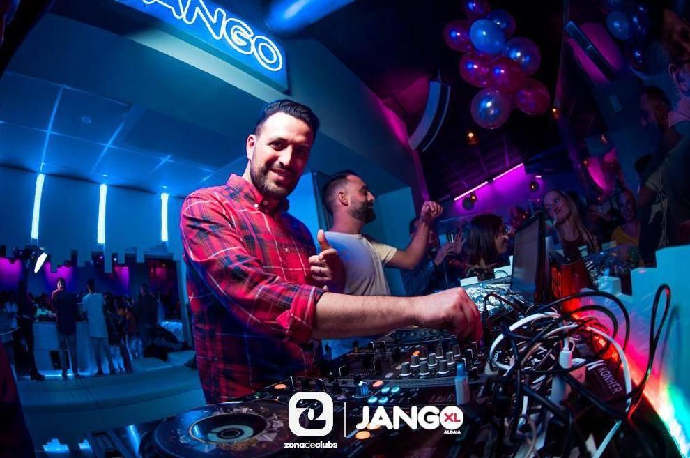Foto 2 de Pubs y bares de copas en ALDAYA | JANGO XL