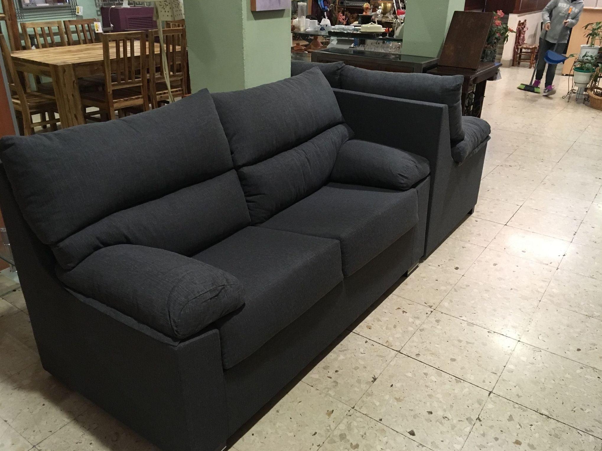 Foto 91 de Recogida y venta de muebles usados en Gijón | Remar Asturias