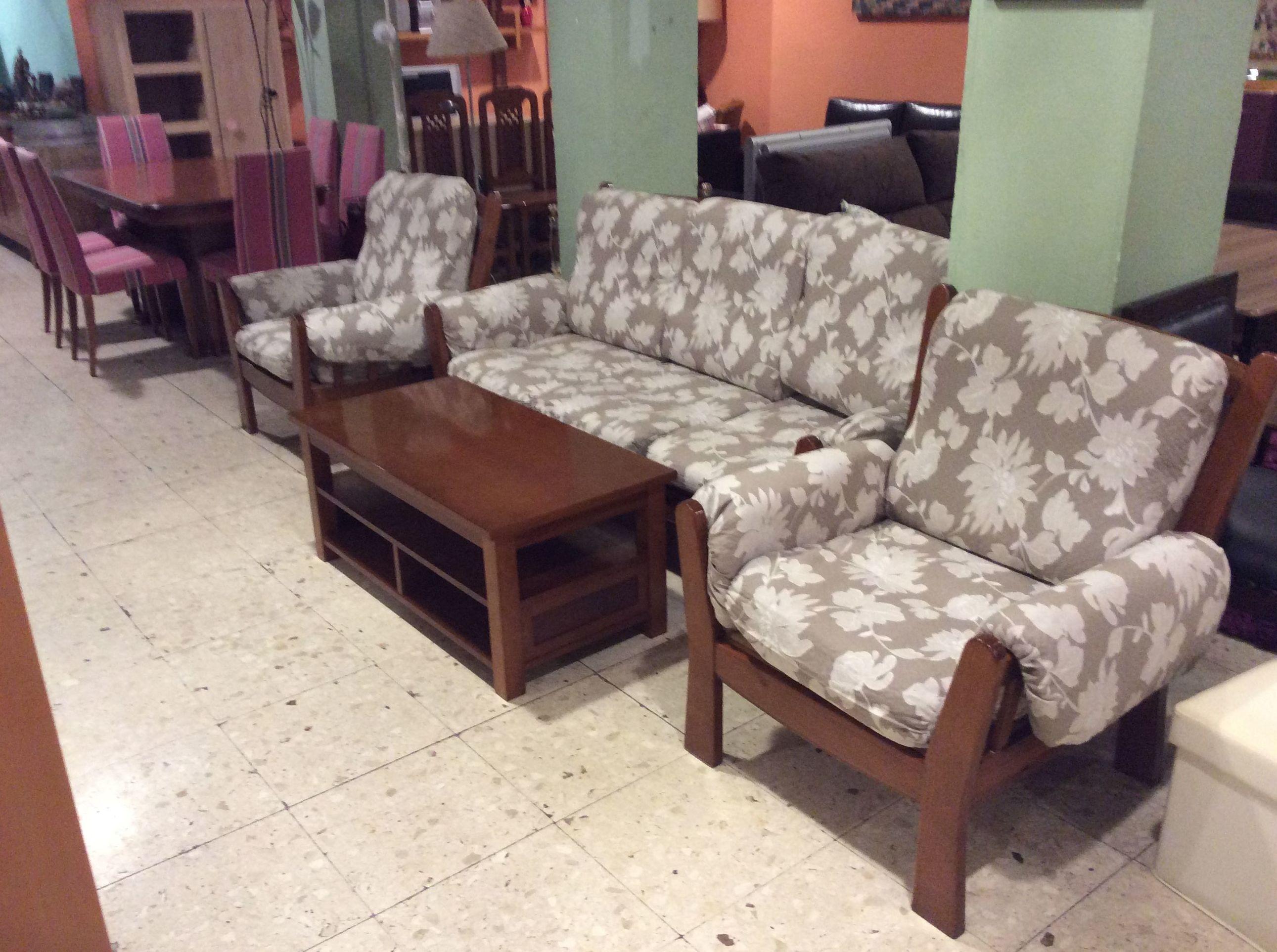 Sofá madera Pino y mesa centro