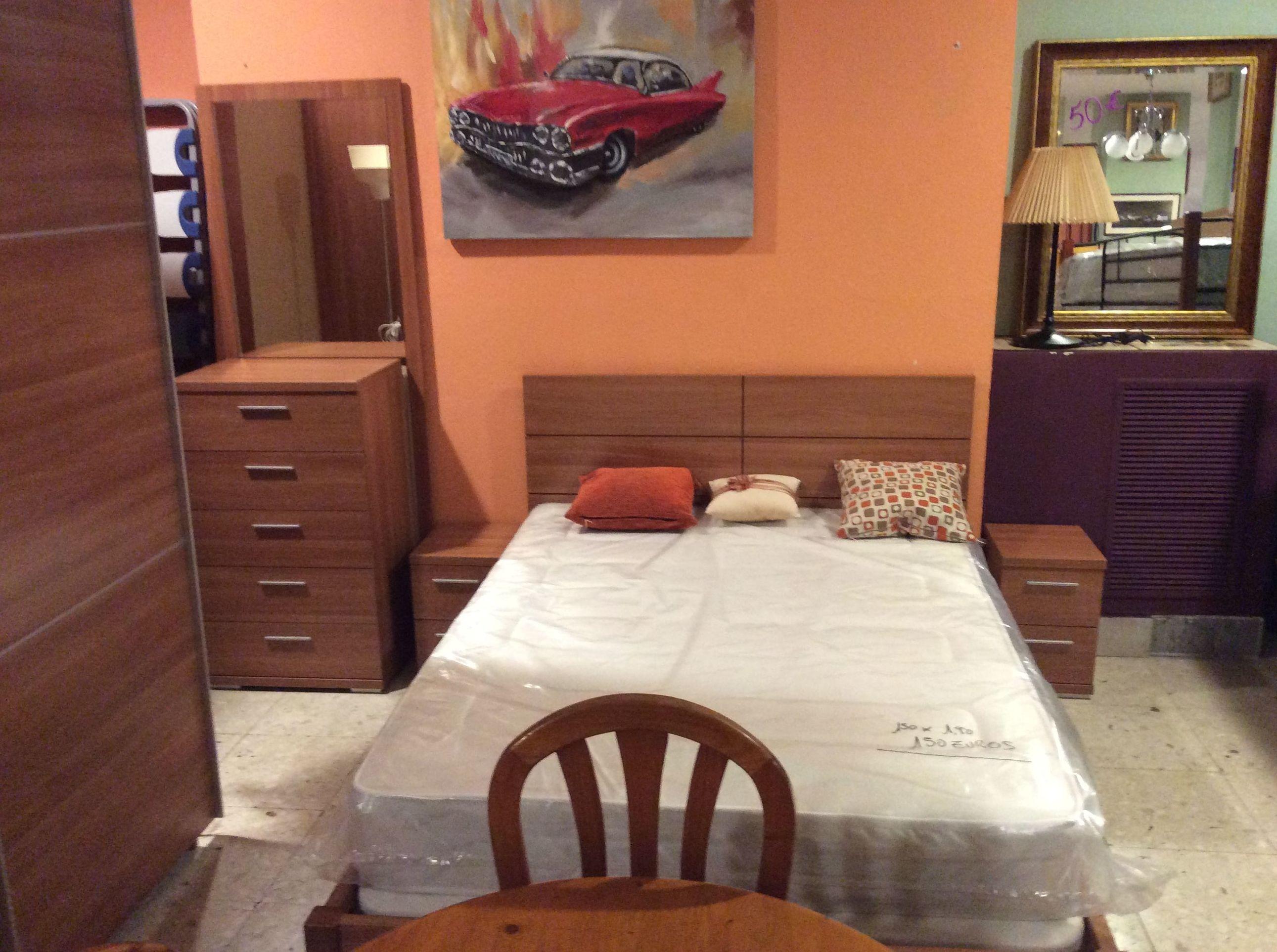 Foto 105 de Recogida y venta de muebles usados en Gijón | Remar Asturias