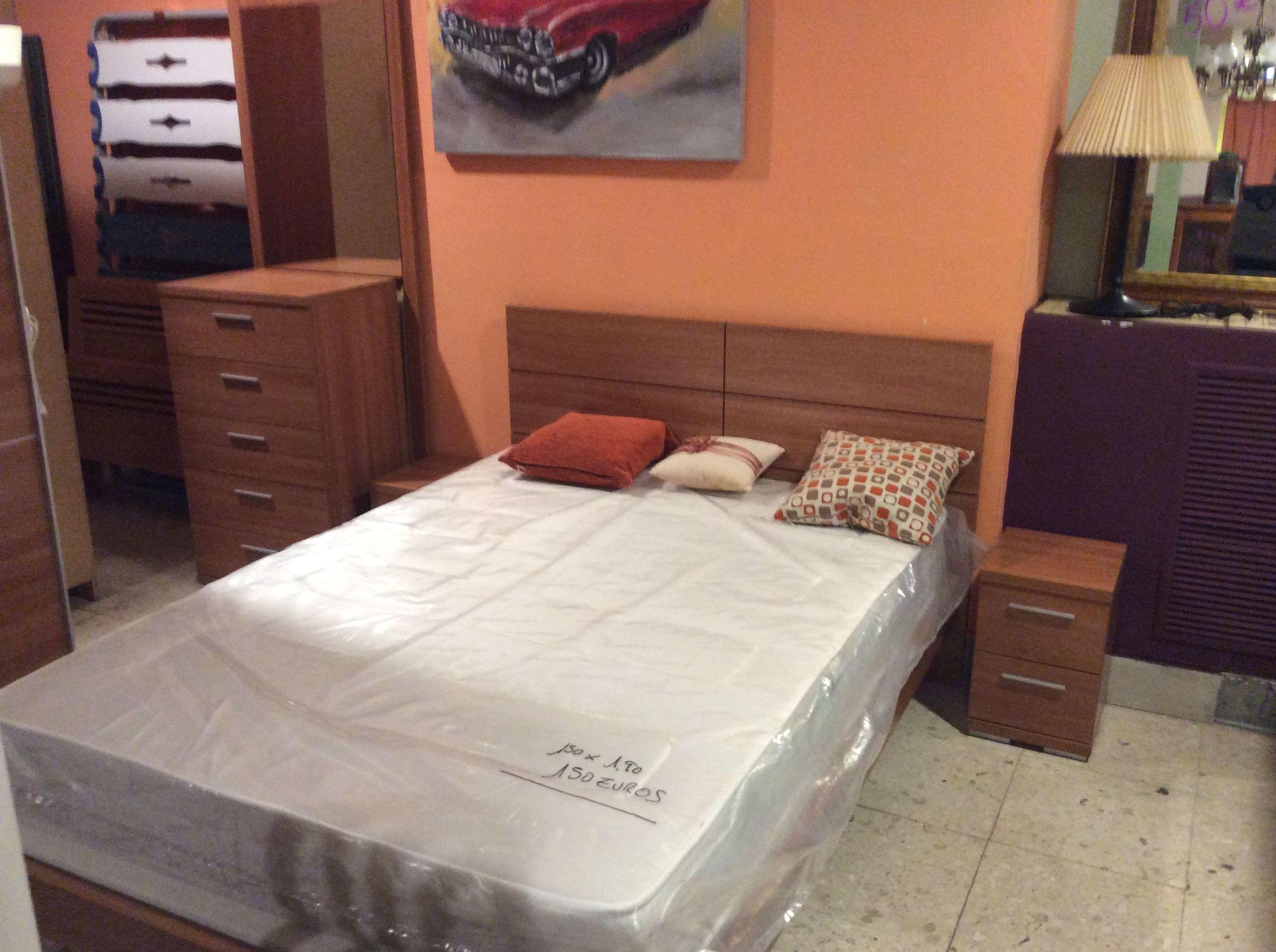 Foto 98 de Recogida y venta de muebles usados en Gijón | Remar Asturias