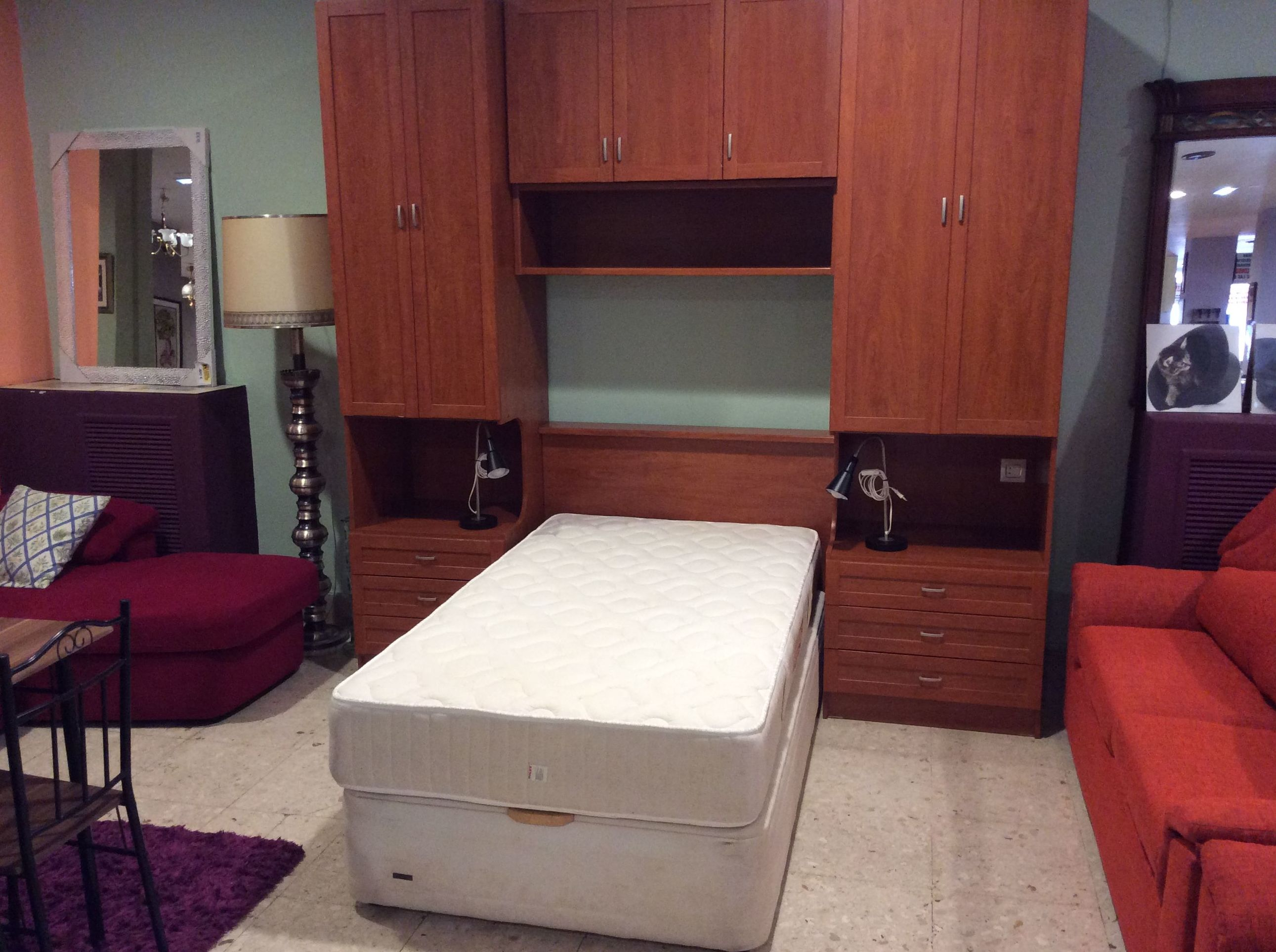 Foto 152 de Recogida y venta de muebles usados en Gijón | Remar Asturias