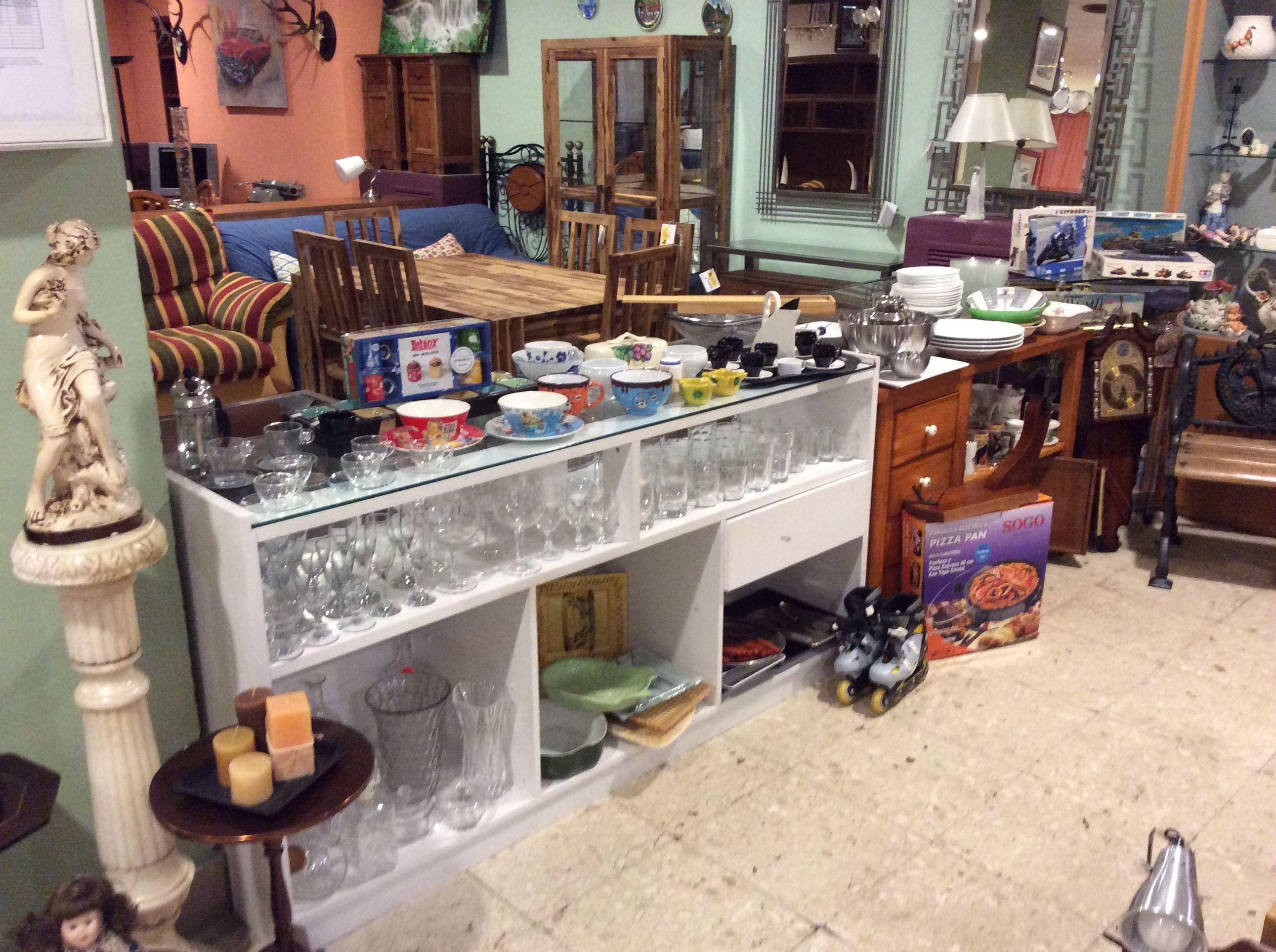 Foto 159 de Recogida y venta de muebles usados en Gijón | Remar Asturias