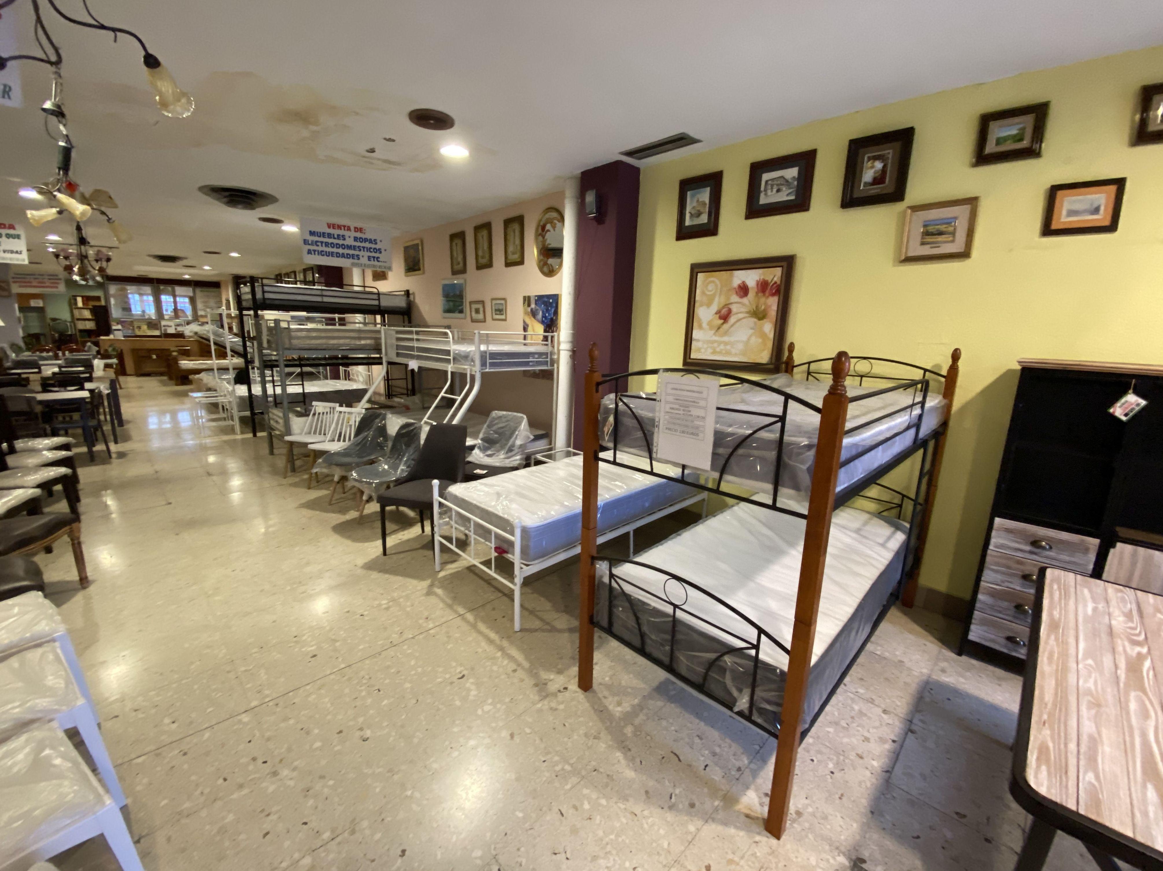 Foto 15 de Recogida y venta de muebles usados en Gijón | Remar Asturias