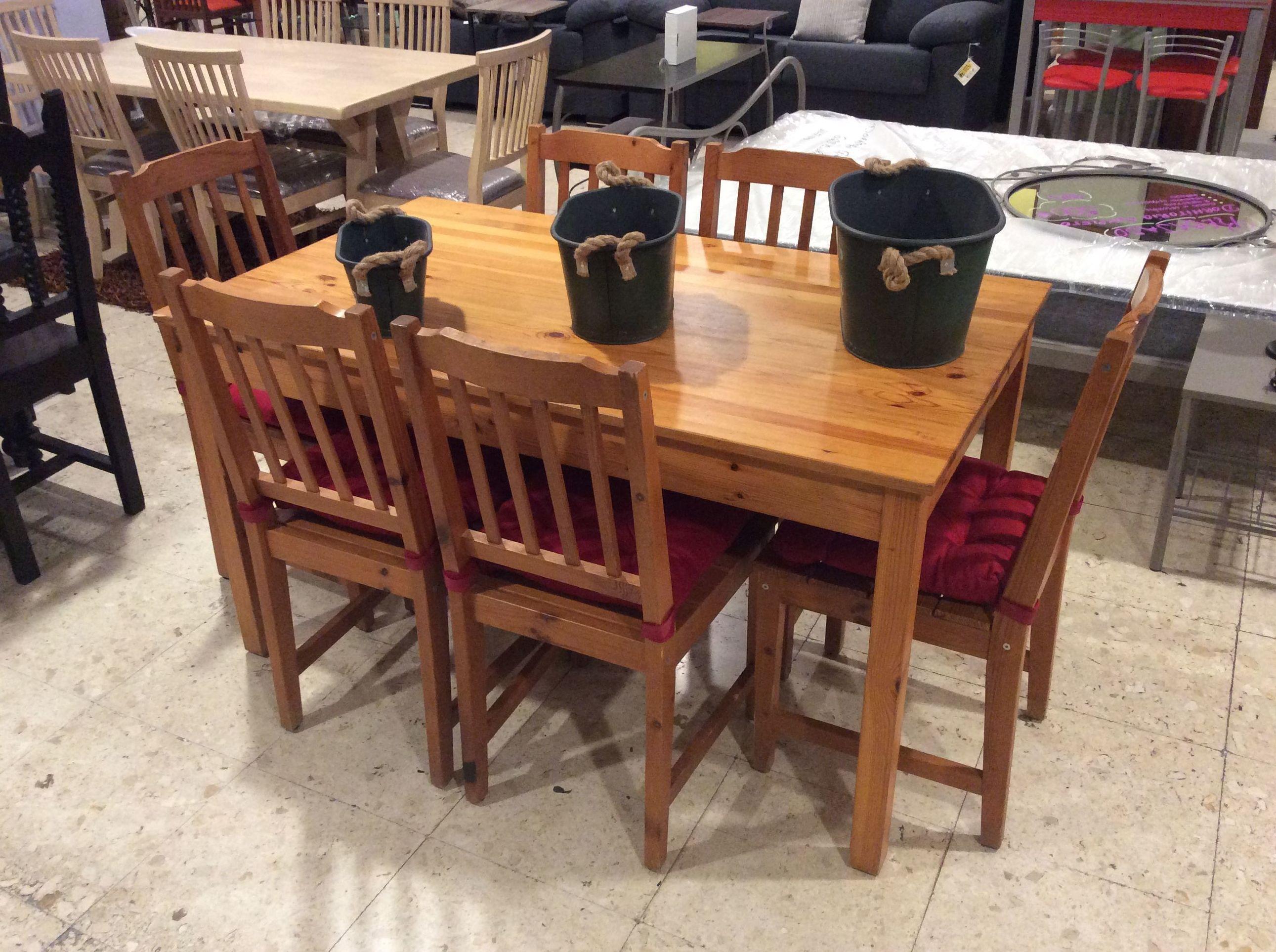 Mesa y silla de Pino