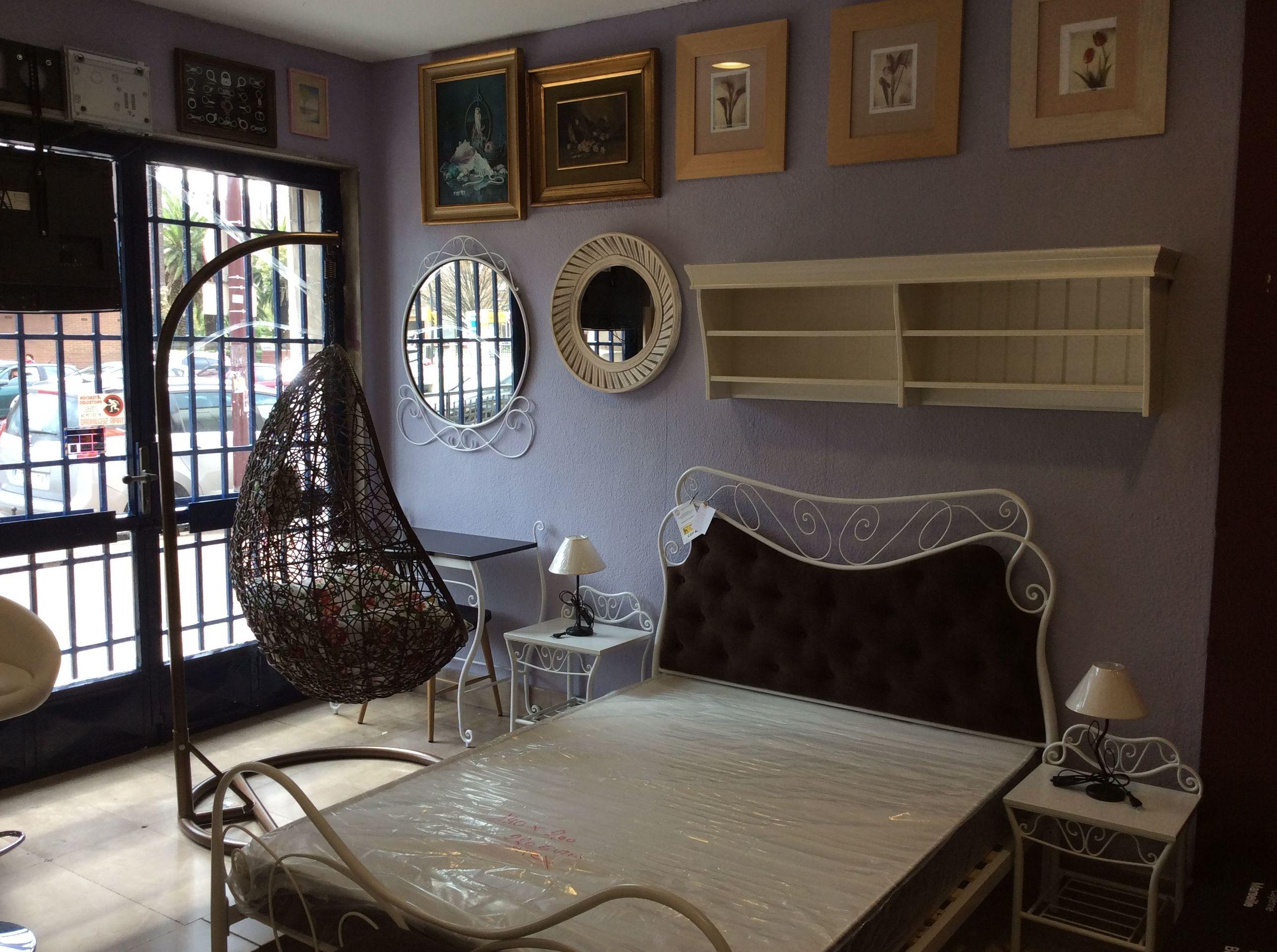 Foto 73 de Recogida y venta de muebles usados en Gijón | Remar Asturias