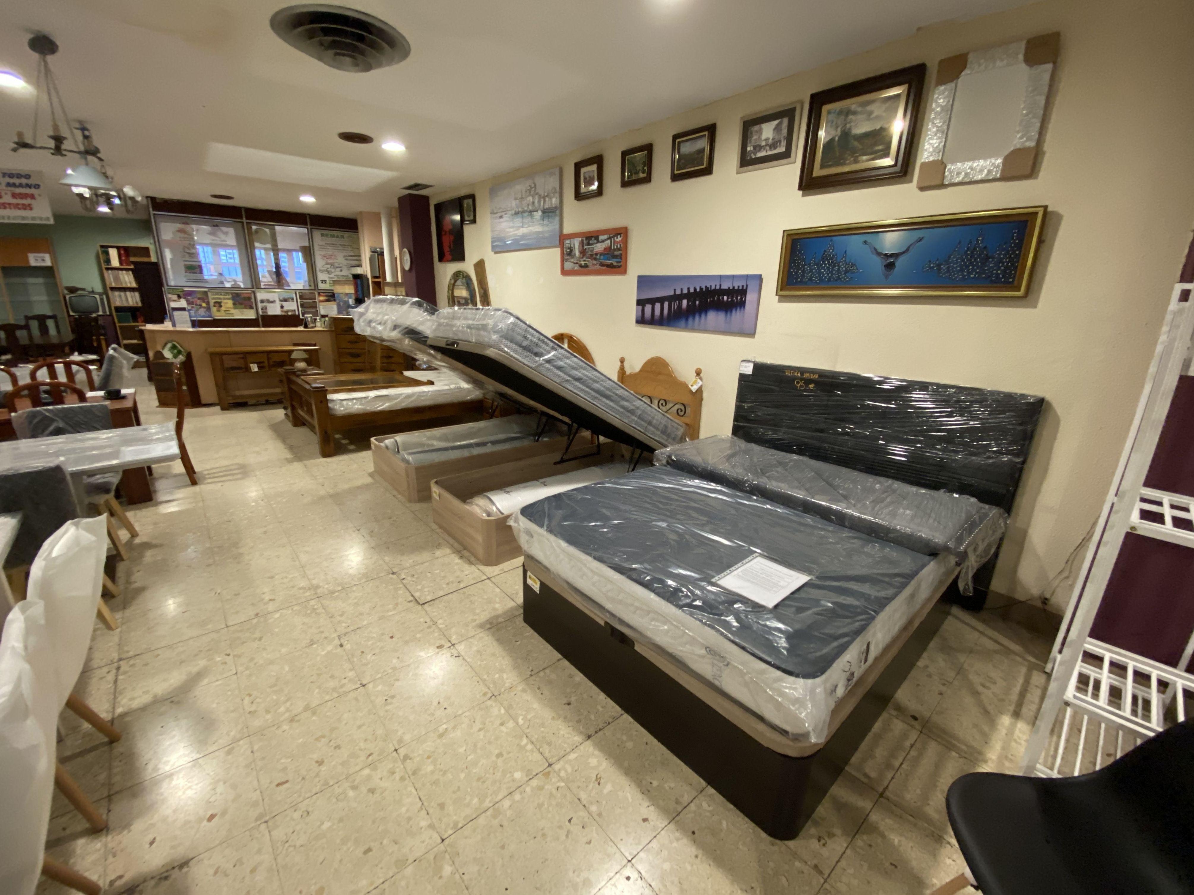 Foto 45 de Recogida y venta de muebles usados en Gijón | Remar Asturias