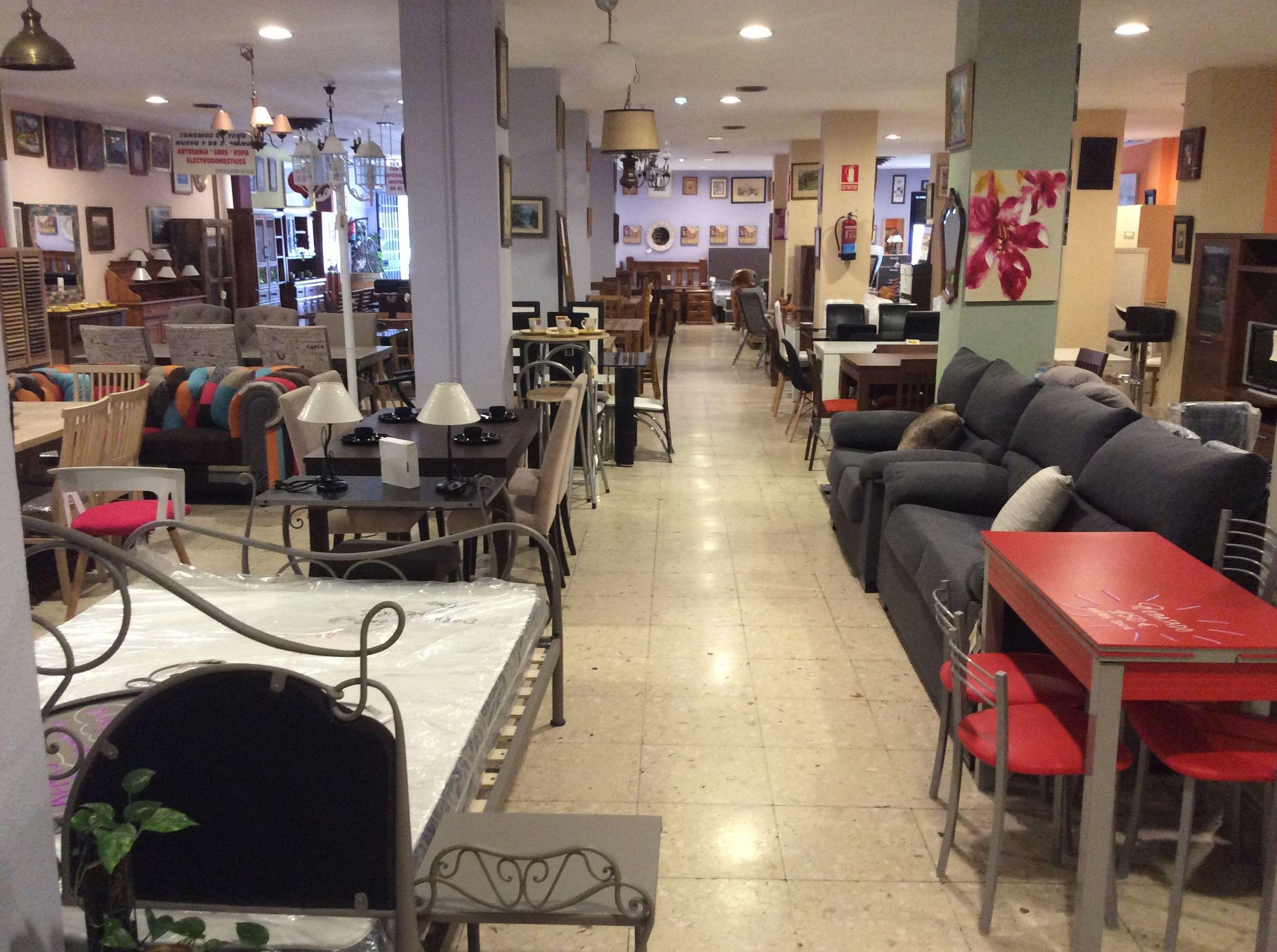 Gran variedad de muebles nuevos