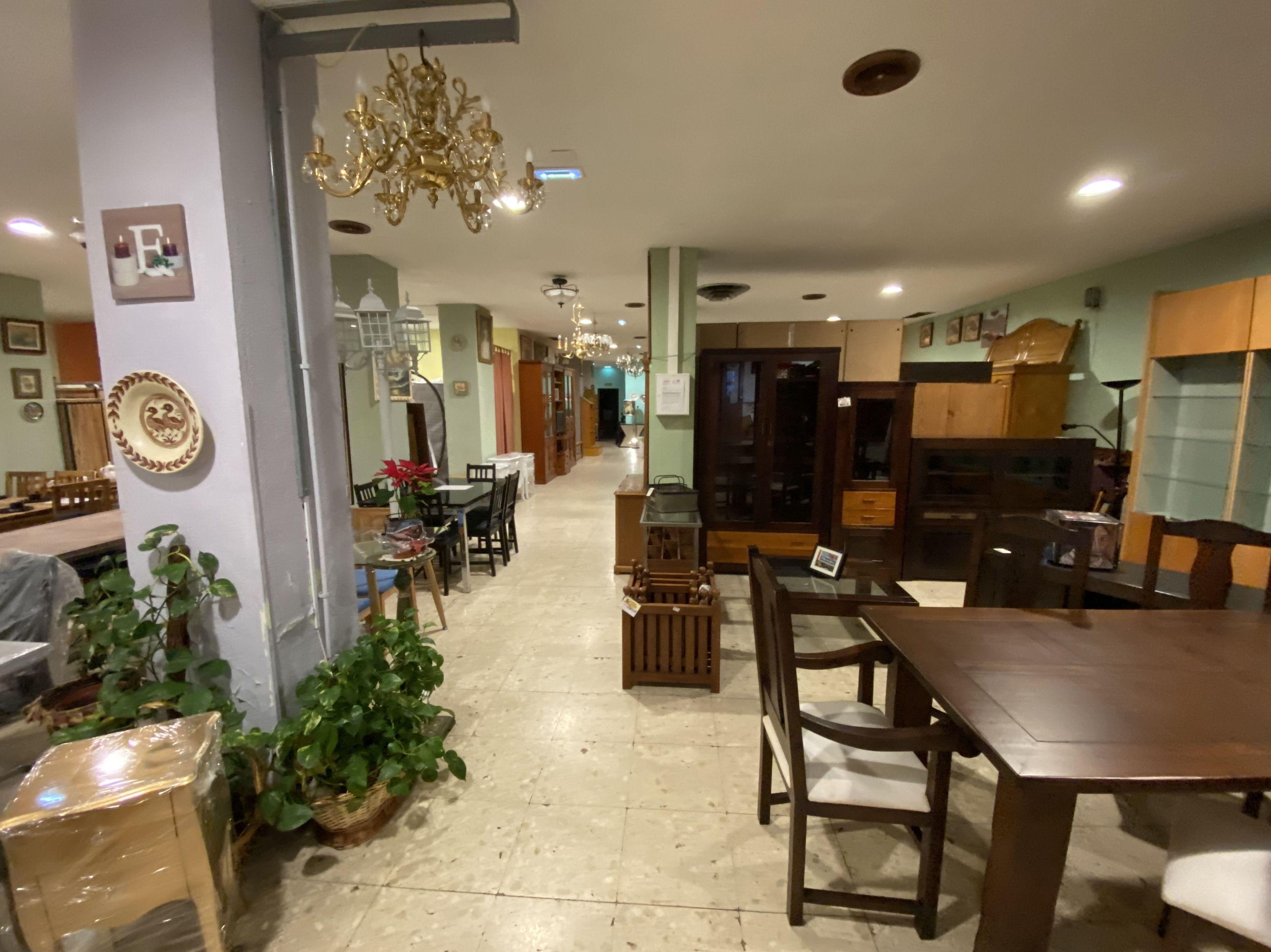 Foto 11 de Recogida y venta de muebles usados en Gijón | Remar Asturias