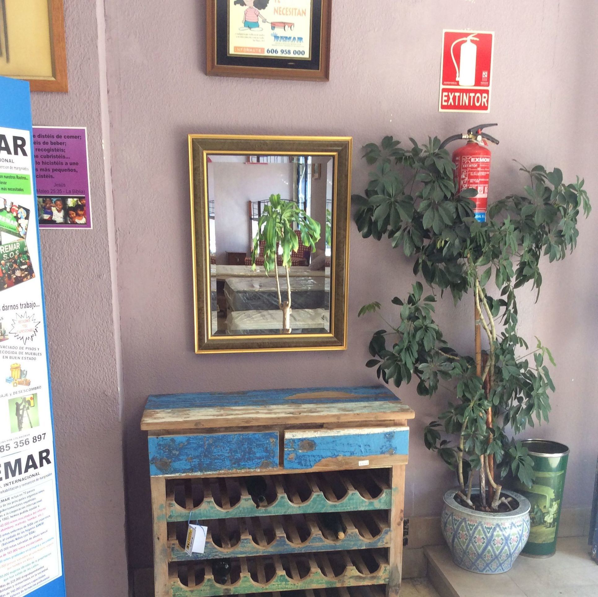 Foto 227 de Recogida y venta de muebles usados en Gijón | Remar Asturias