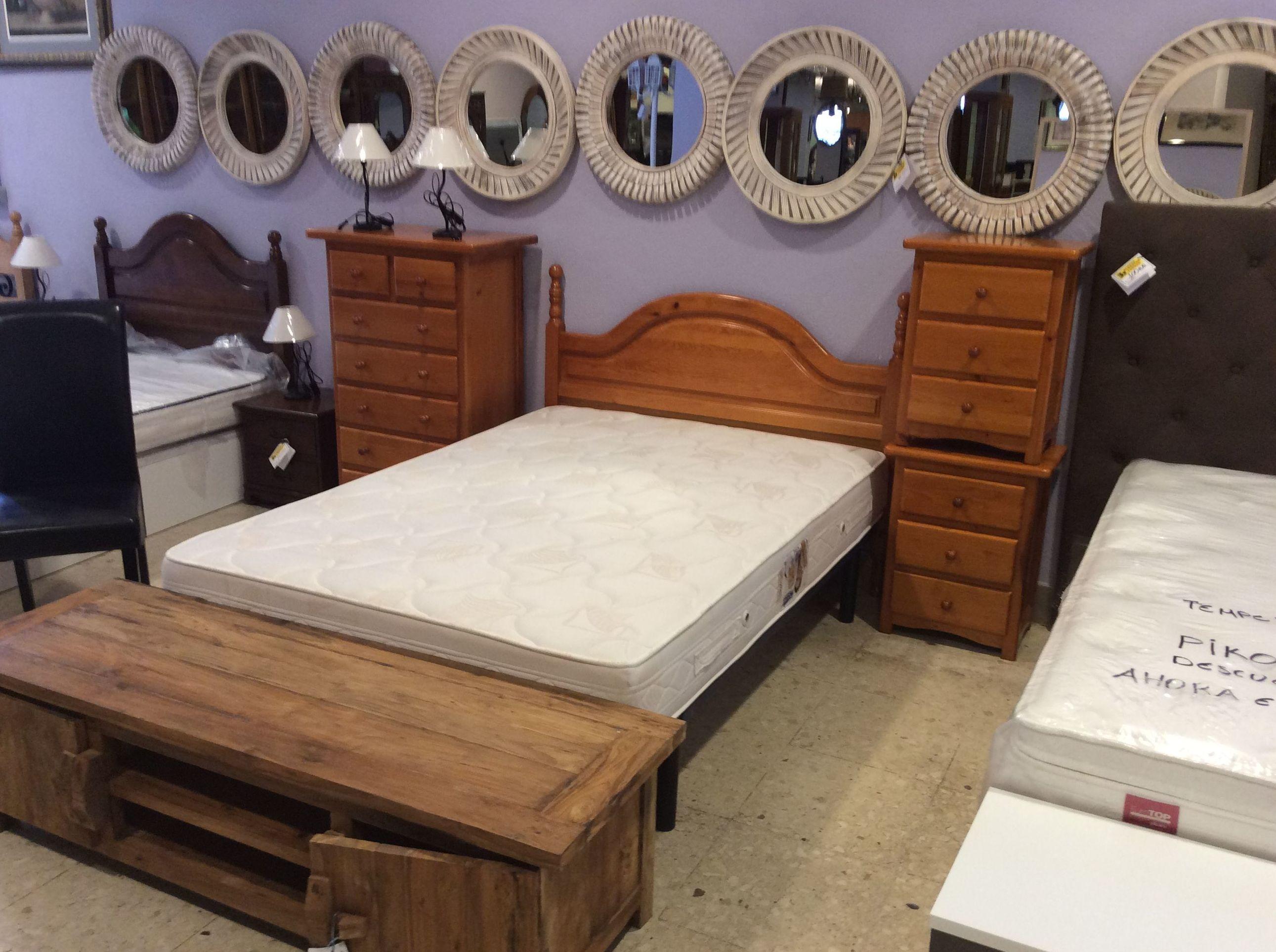 Foto 101 de Recogida y venta de muebles usados en Gijón | Remar Asturias