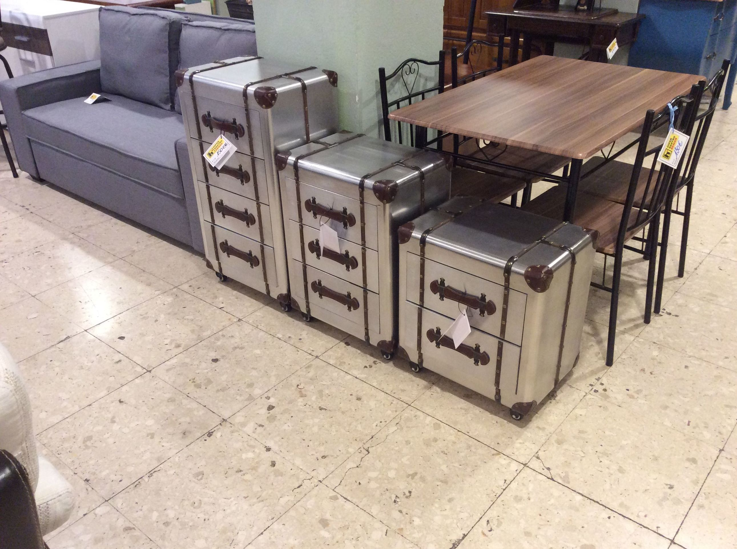 Foto 181 de Recogida y venta de muebles usados en Gijón | Remar Asturias