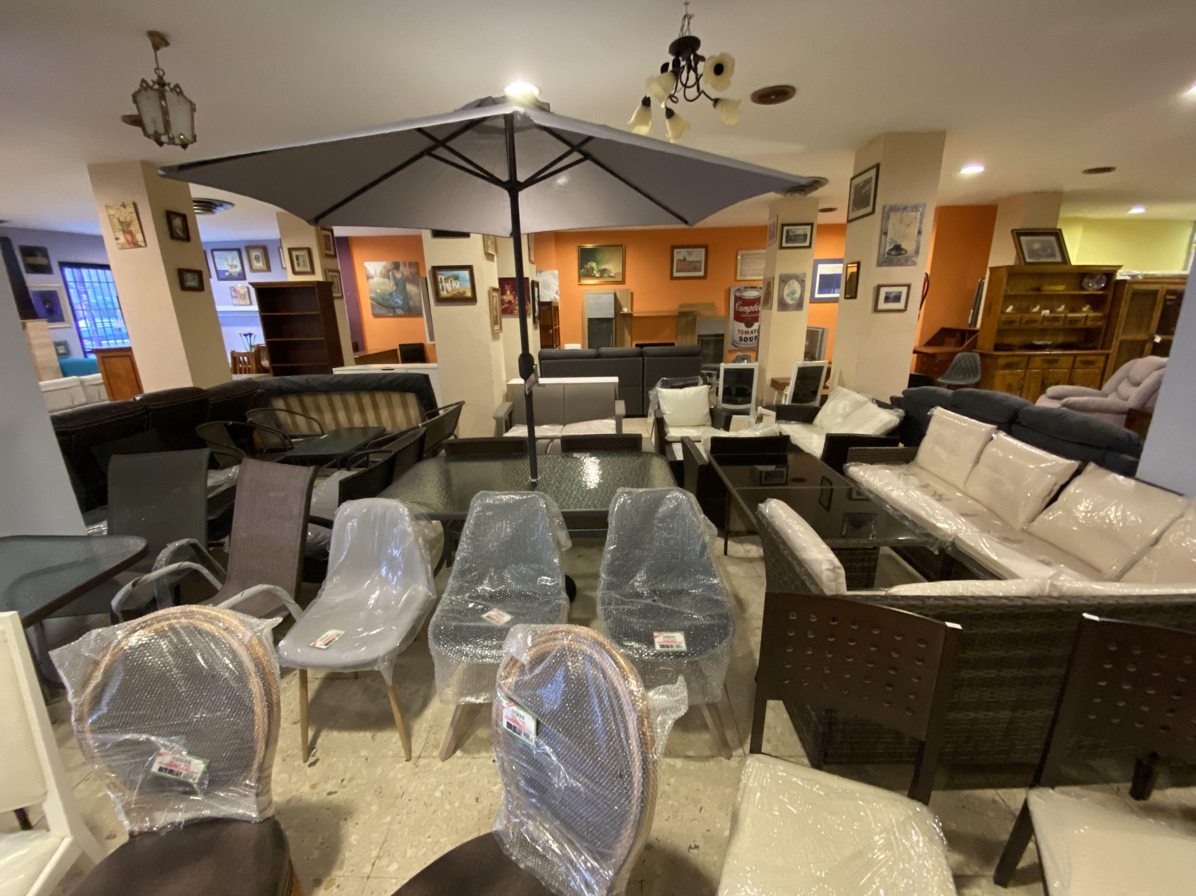 Foto 12 de Recogida y venta de muebles usados en Gijón | Remar Asturias