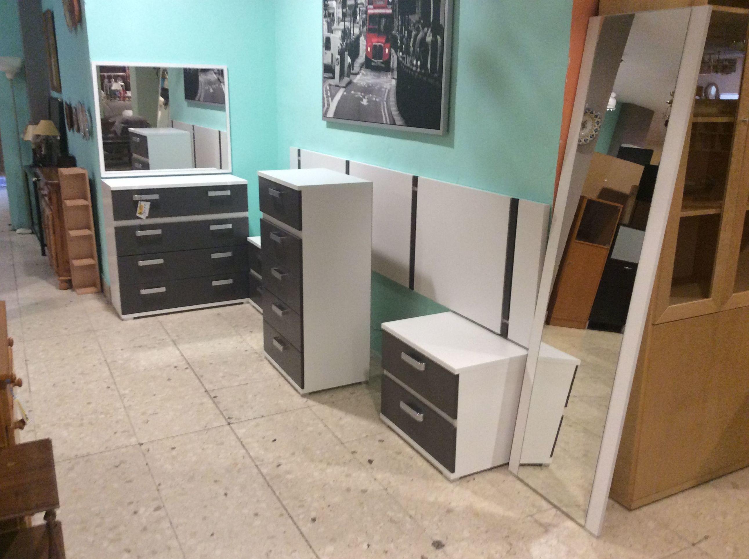 Foto 165 de Recogida y venta de muebles usados en Gijón | Remar Asturias
