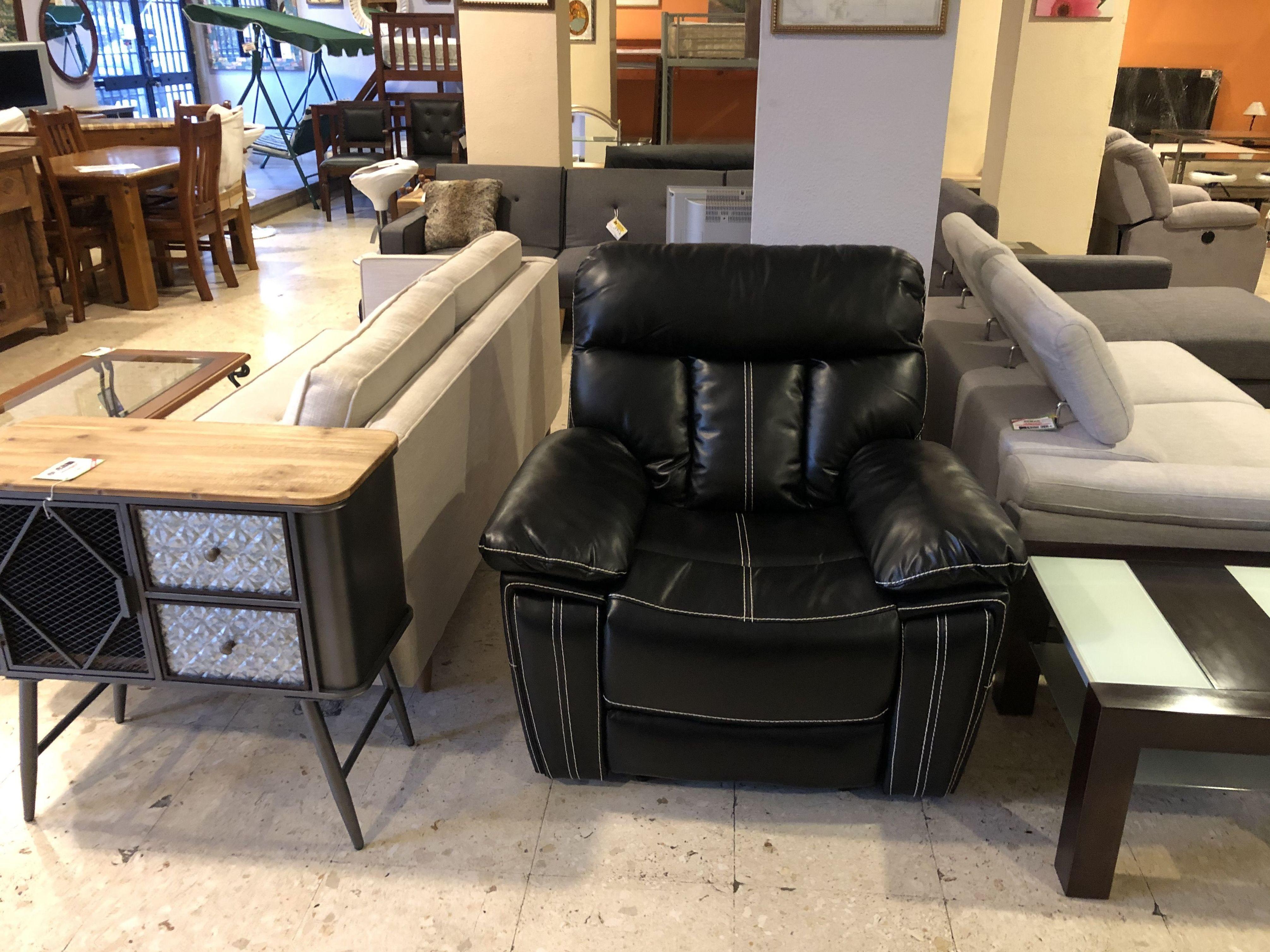 Foto 16 de Recogida y venta de muebles usados en Gijón | Remar Asturias