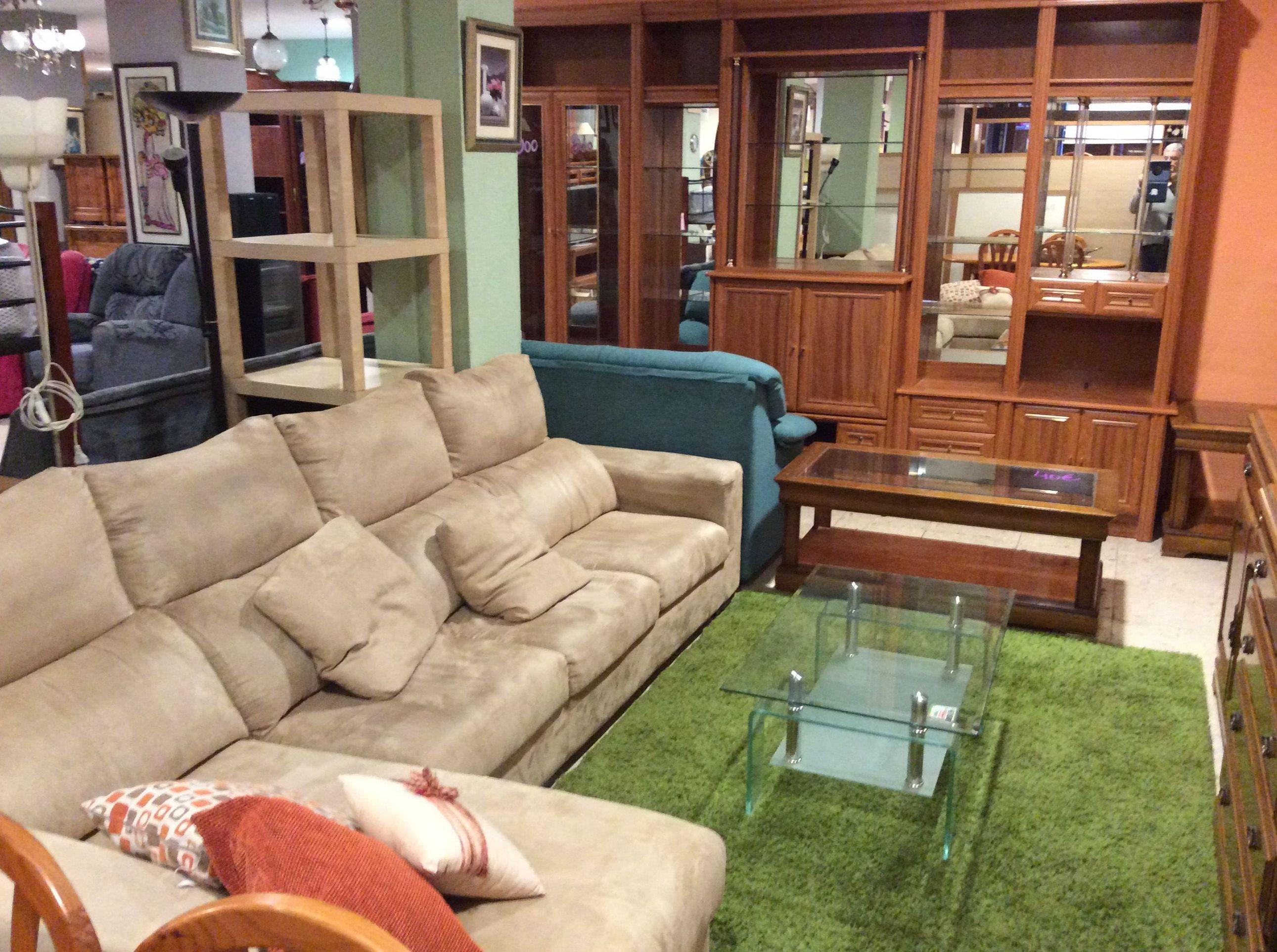 Foto 88 de Recogida y venta de muebles usados en Gijón | Remar Asturias