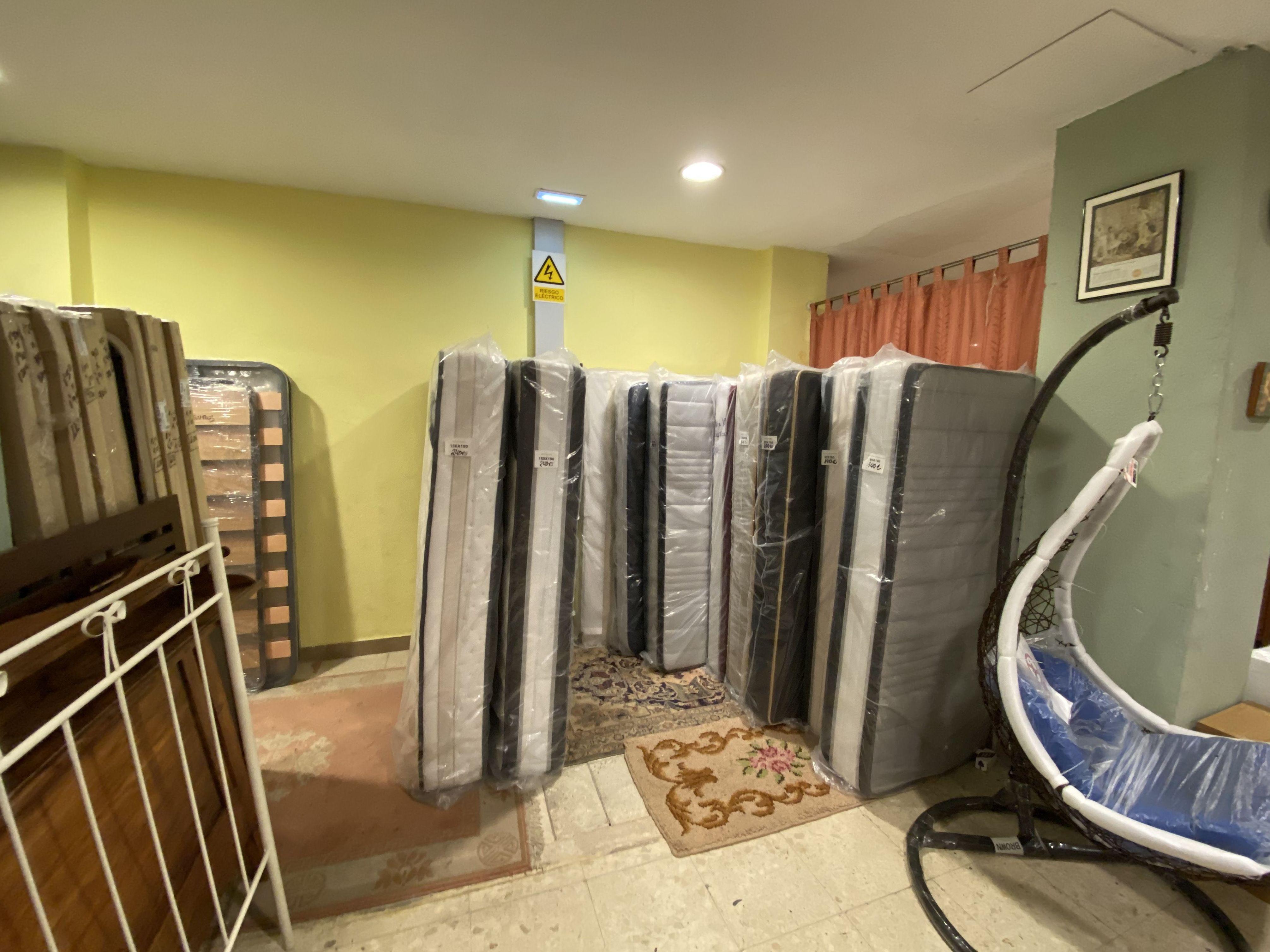 Foto 43 de Recogida y venta de muebles usados en Gijón | Remar Asturias
