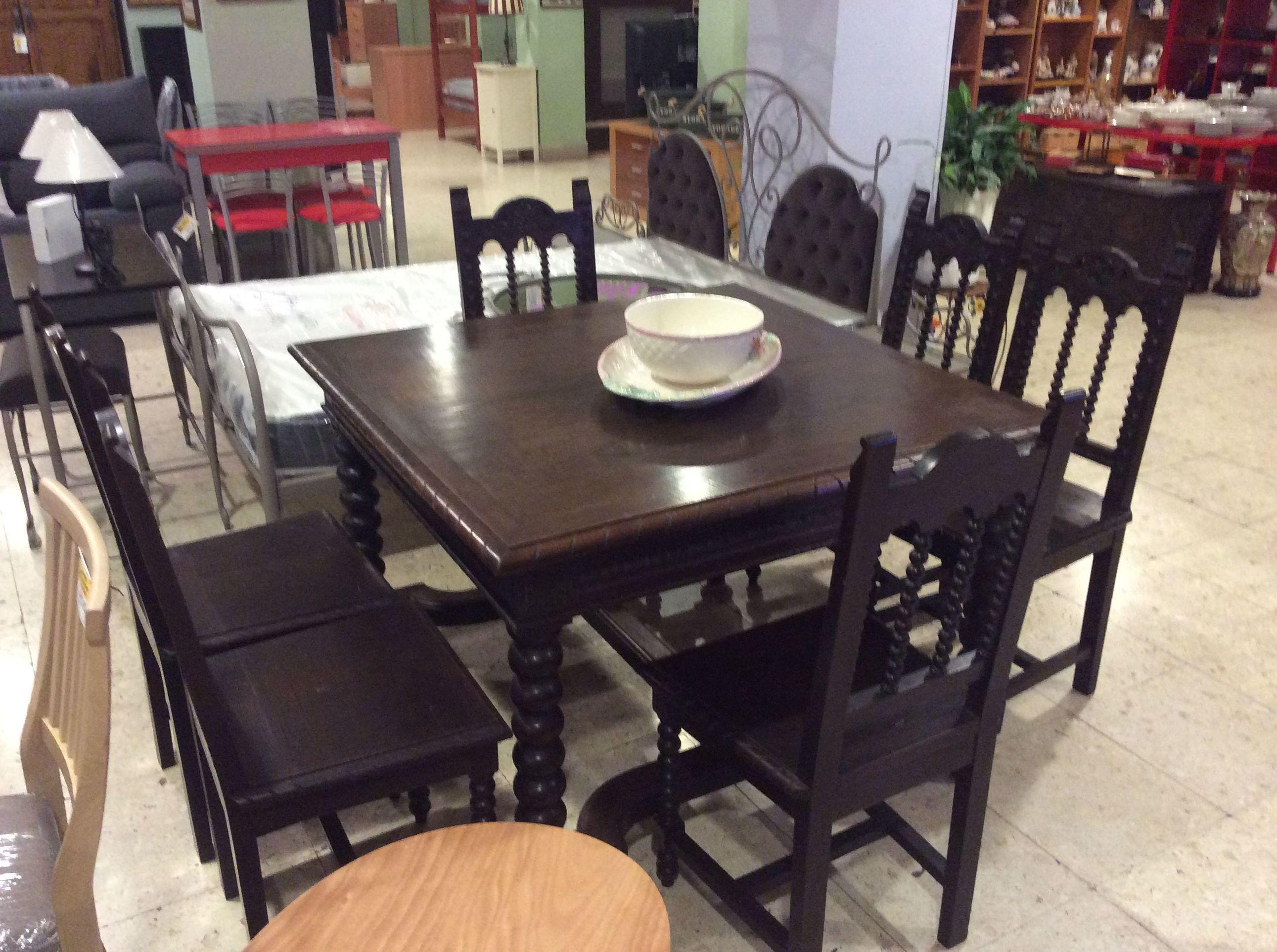 Mesa y 6 sillas (castaño)