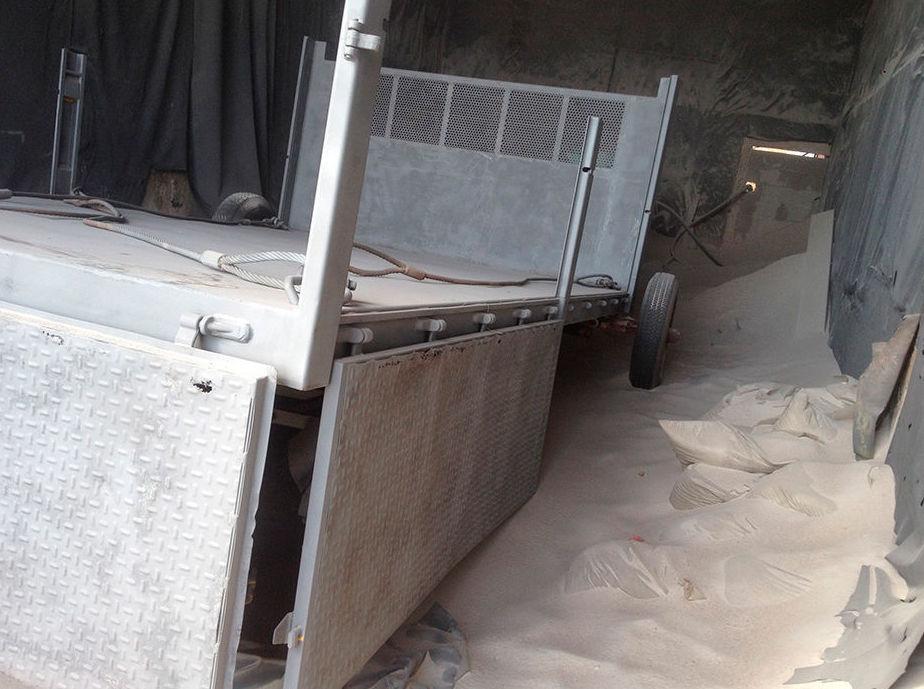 Limpieza de maquinaria con chorro de arena