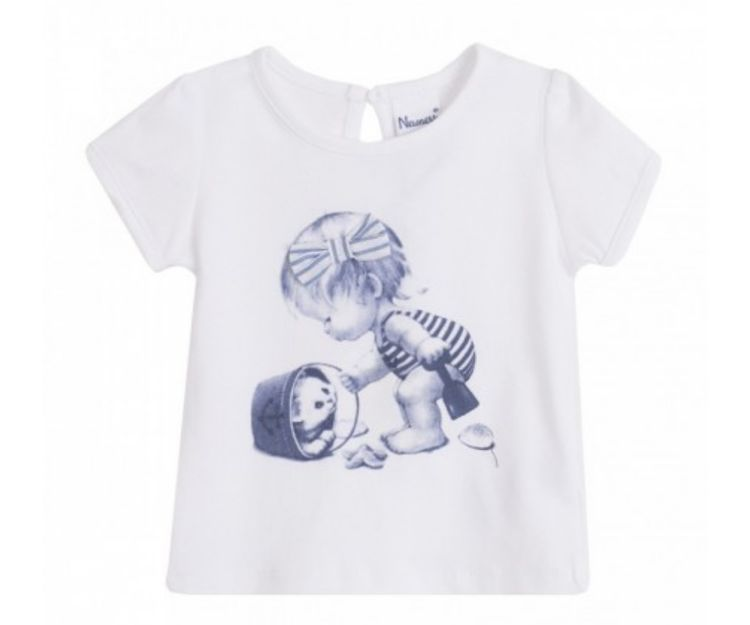 Camiseta blanca con dibujo frontal