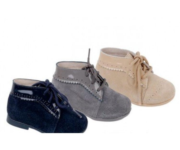 Zapatos con cordones para bebés de varios colores