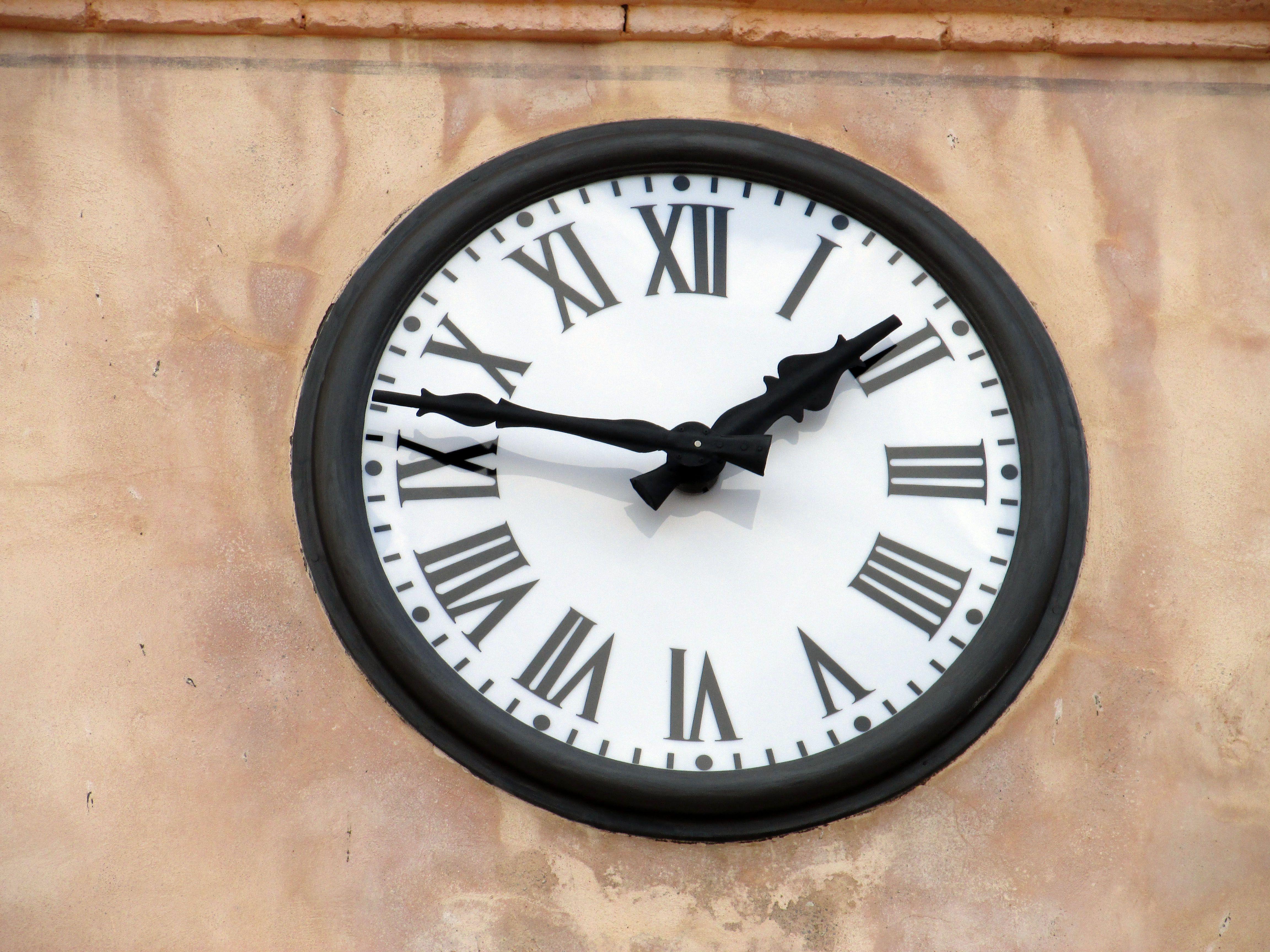 Instalación de relojes en torres