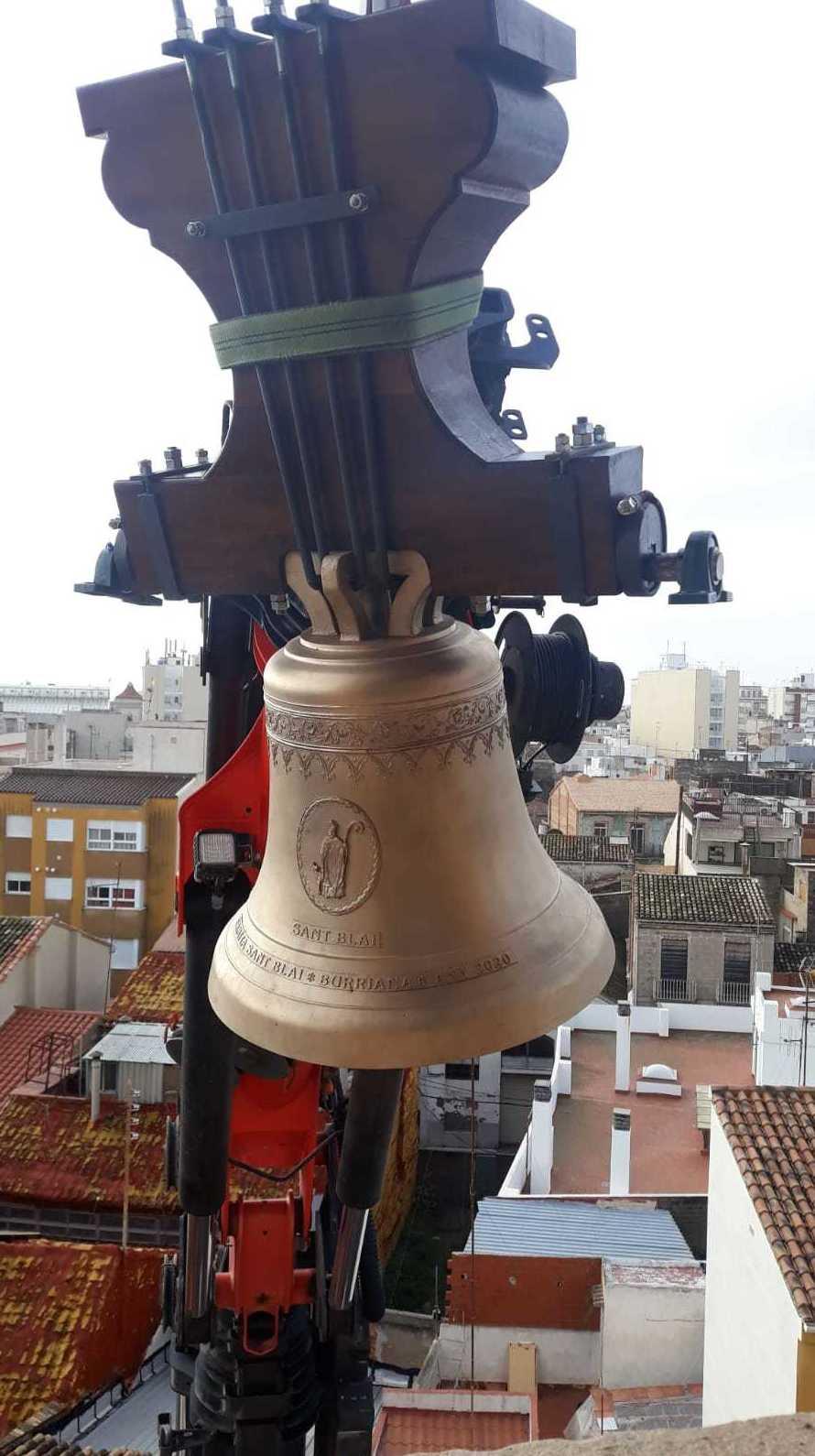 campanas nuevas de iglesia