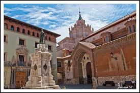 plaza del Padre Polanco, con el cimborrio de la catedral al fondo
