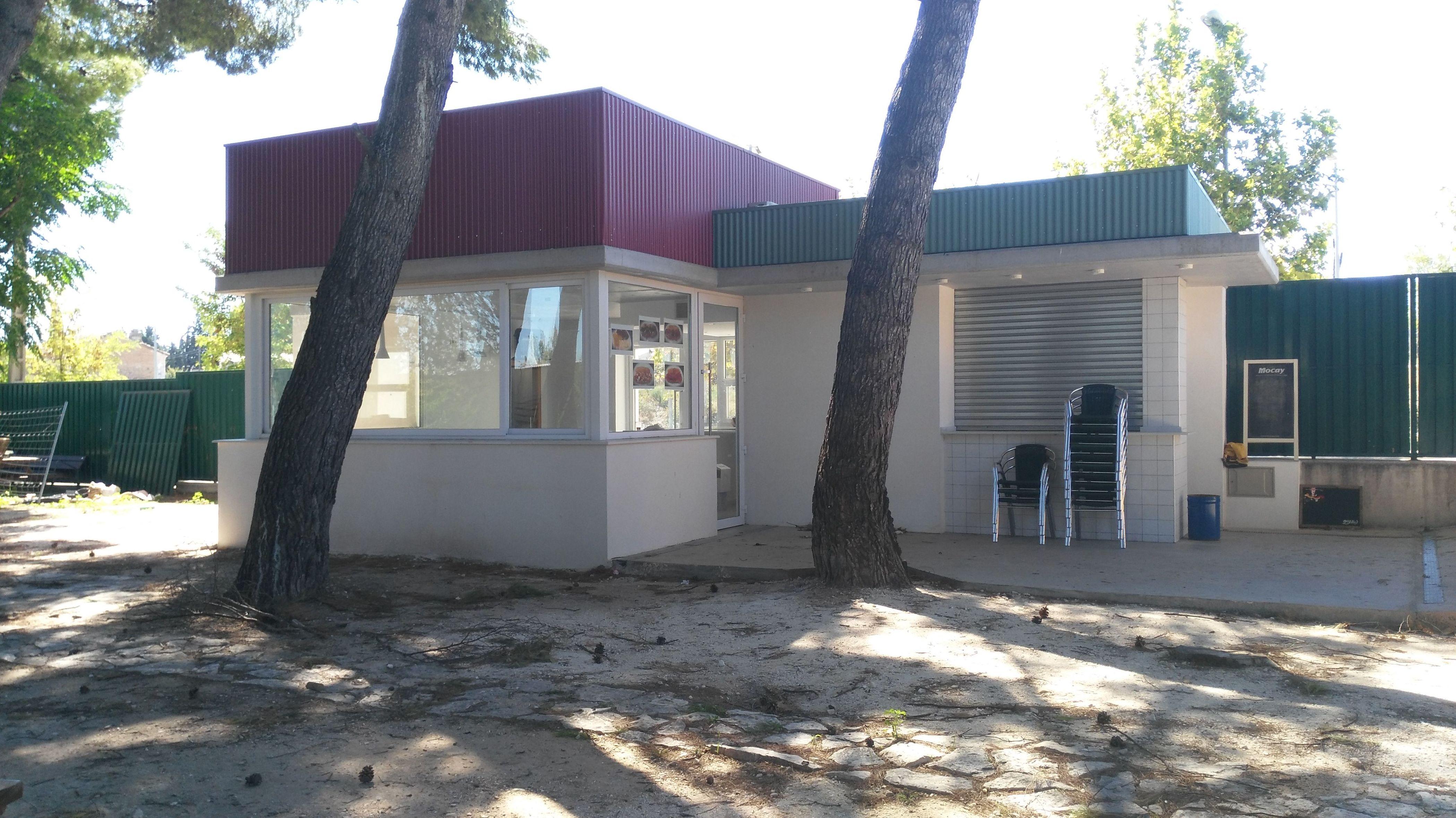 construcción de bar en piscinas municipales del Burgo de Ebro