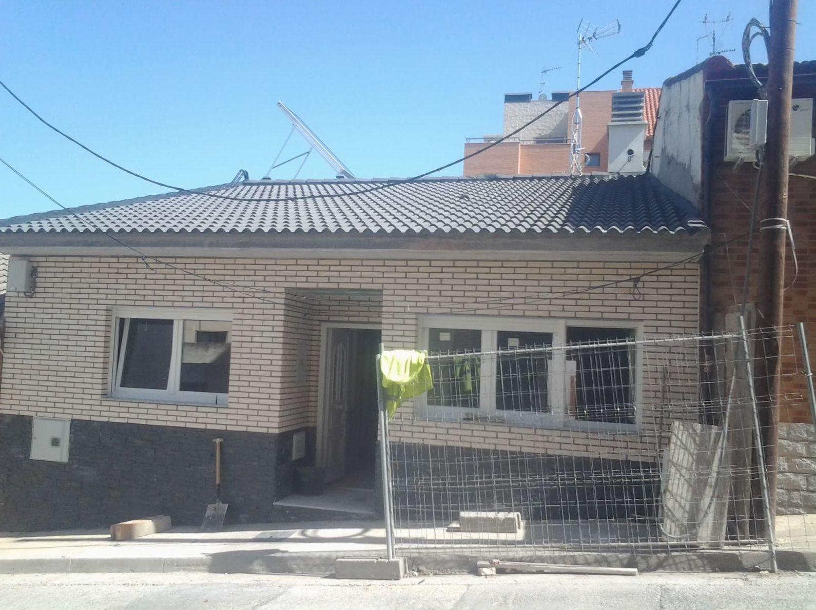 construcción de casa aislada desde los cimientos