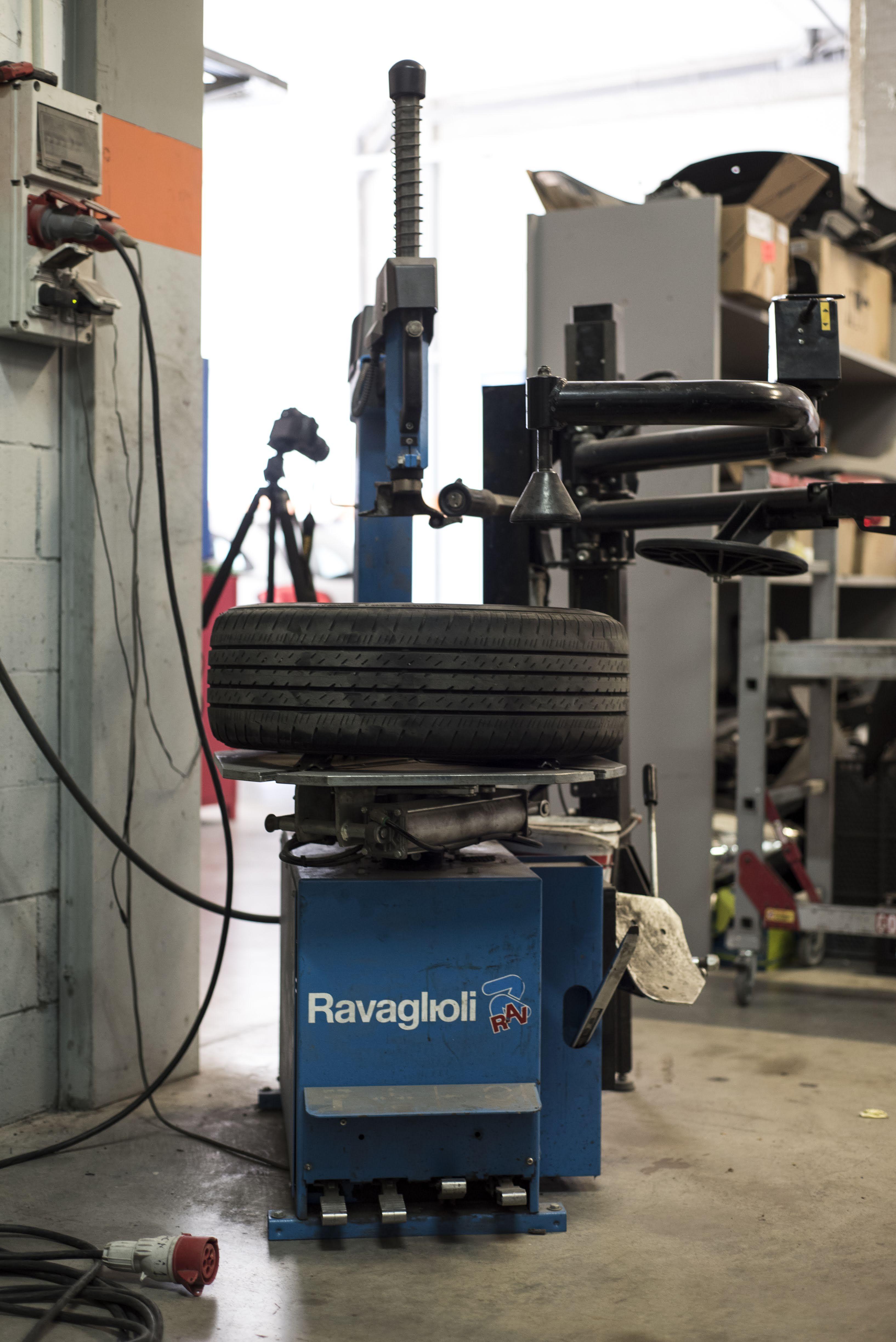 Desmontadora de neumáticos