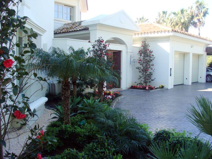Mantenimiento de jardines particulares en San Roque, Cádiz