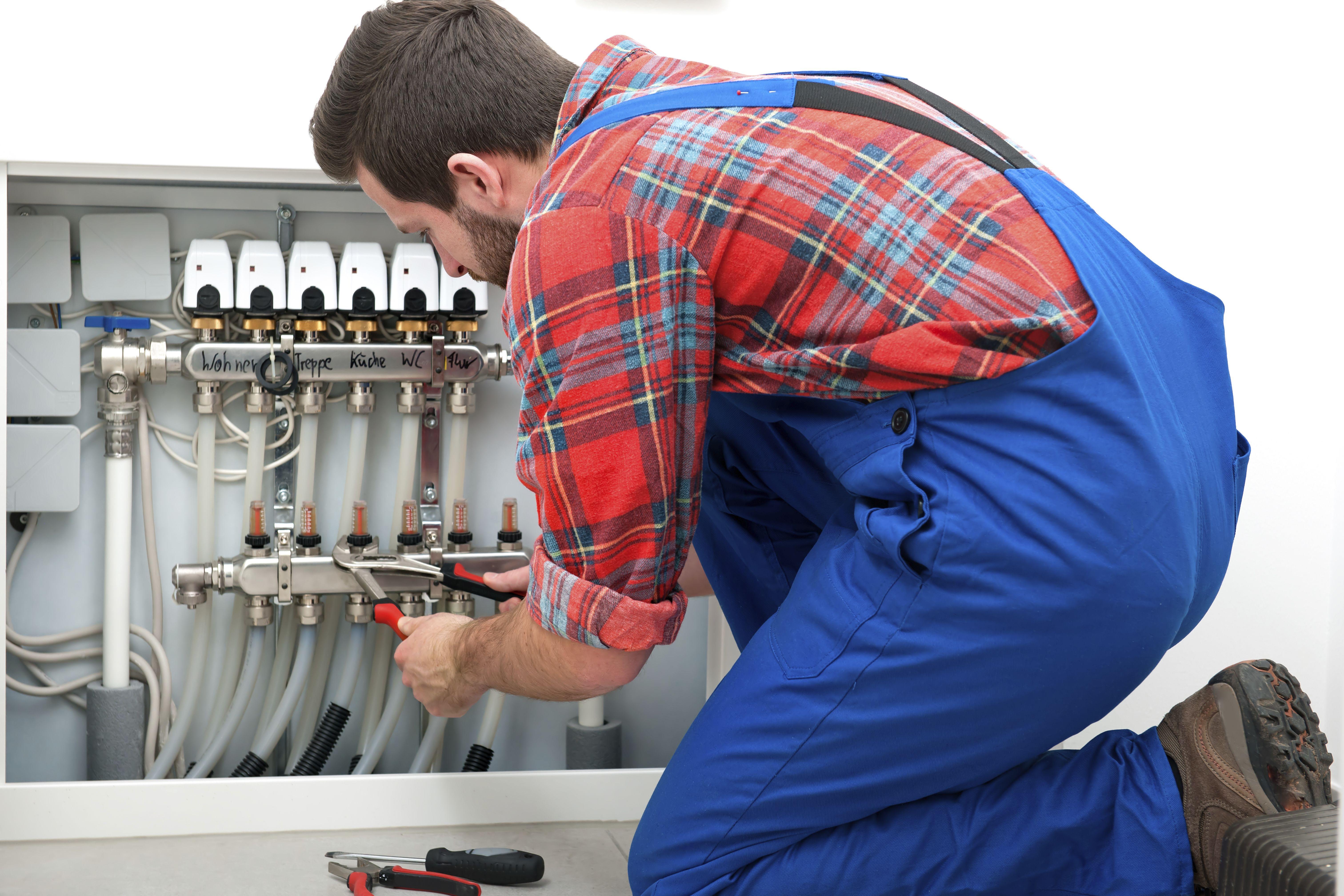 Diseño y proyecto de instalaciones de calefacción y agua caliente sanitaria: Servicios de Serman Instalaciones
