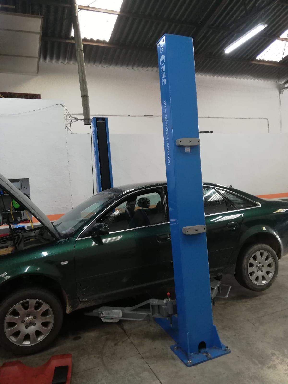 Taller mecánico en Camarena
