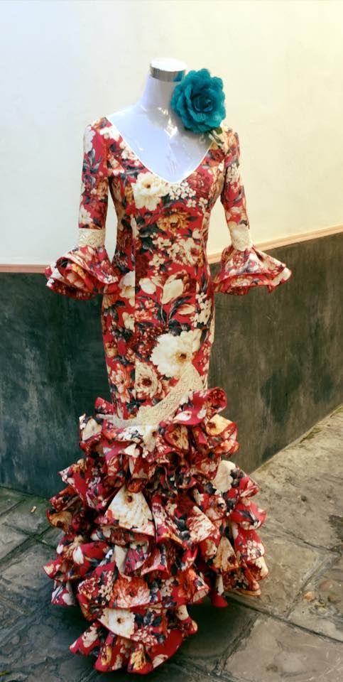 Compra de trajes de flamenca en Sevilla