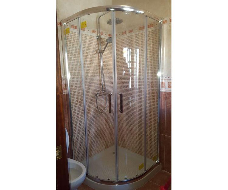 Instalación de mampara de ducha