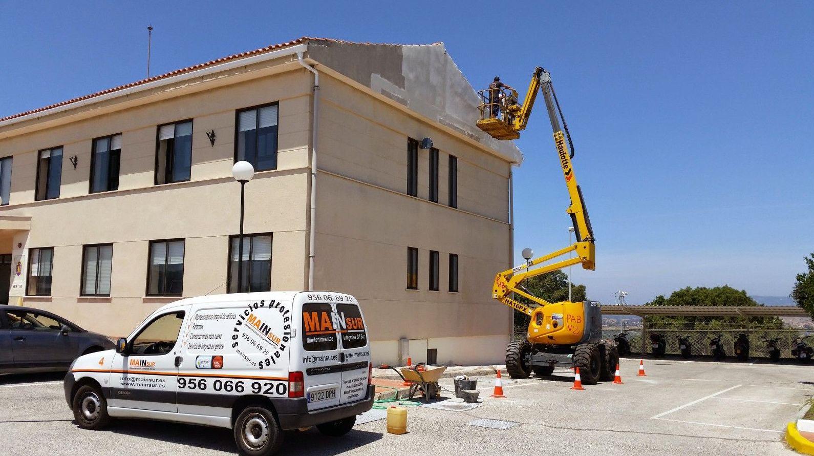 Trabajo en fachada vivienda