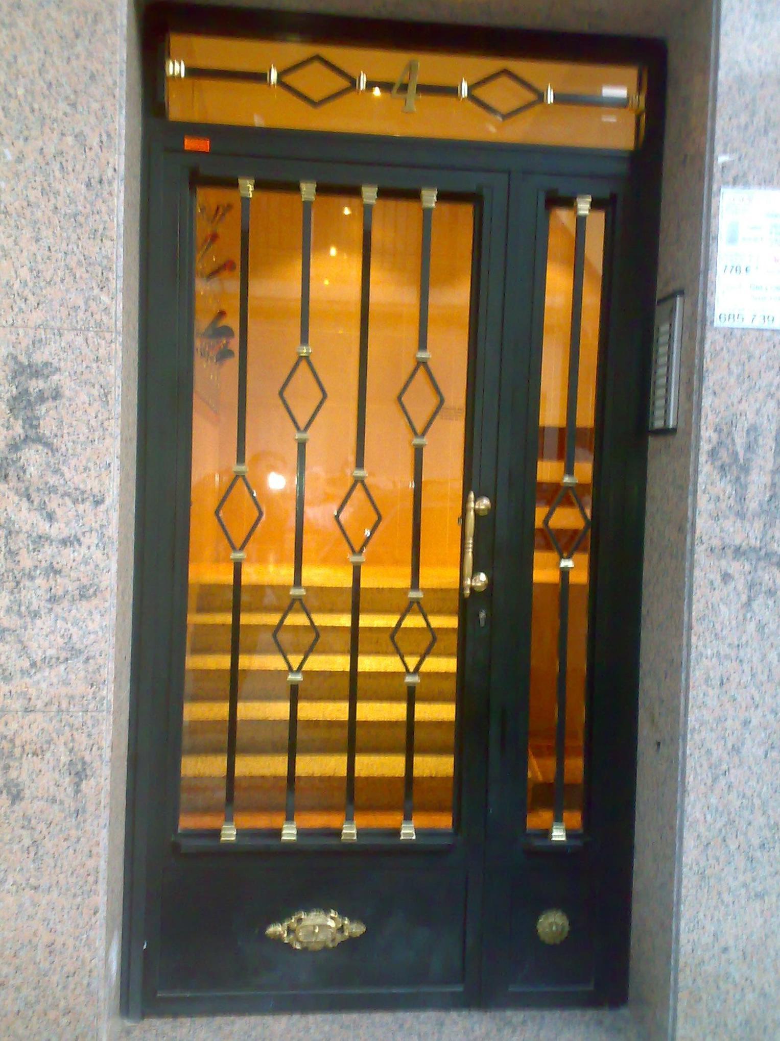 Puertas portal decorados