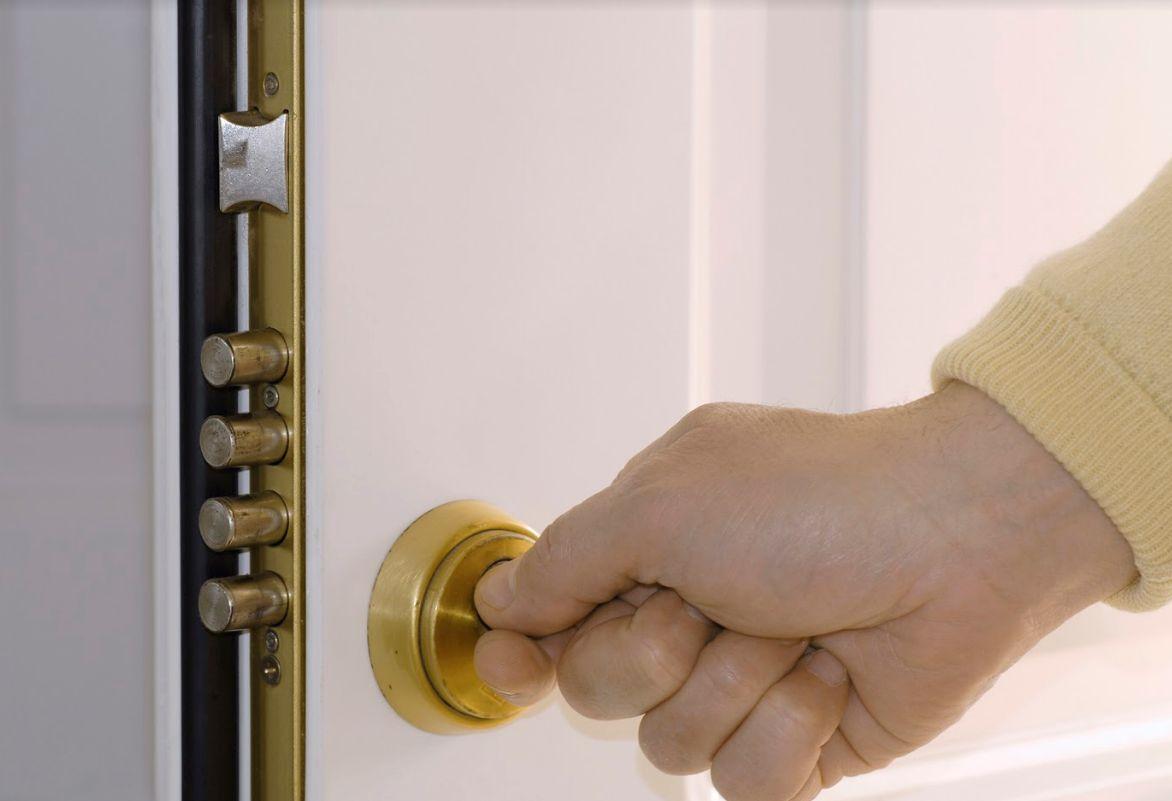 Apertura de puertas: Servicios de Puertas Y Armarios Zarautz