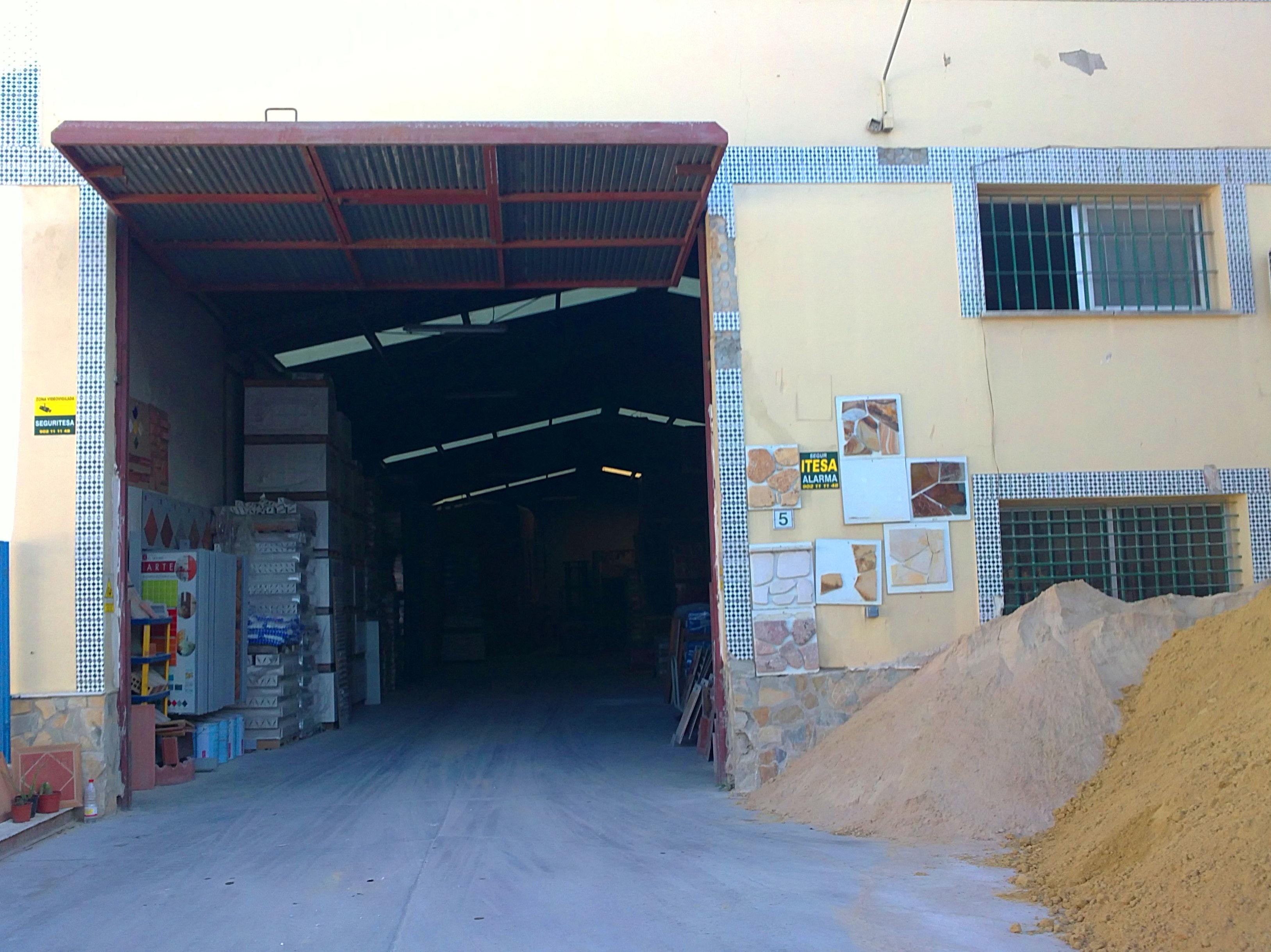 Foto 14 de Materiales de construcción en Málaga | Materiales de Construcción J. B.