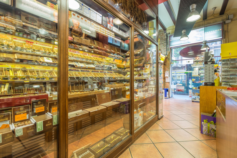 Foto 4 de Estancos en Barcelona | Estanc Duaso