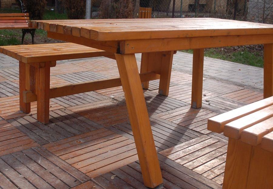 Barnizados y lacados en madrid centro los muebles de exterior - Restaurar muebles de madera barnizados ...